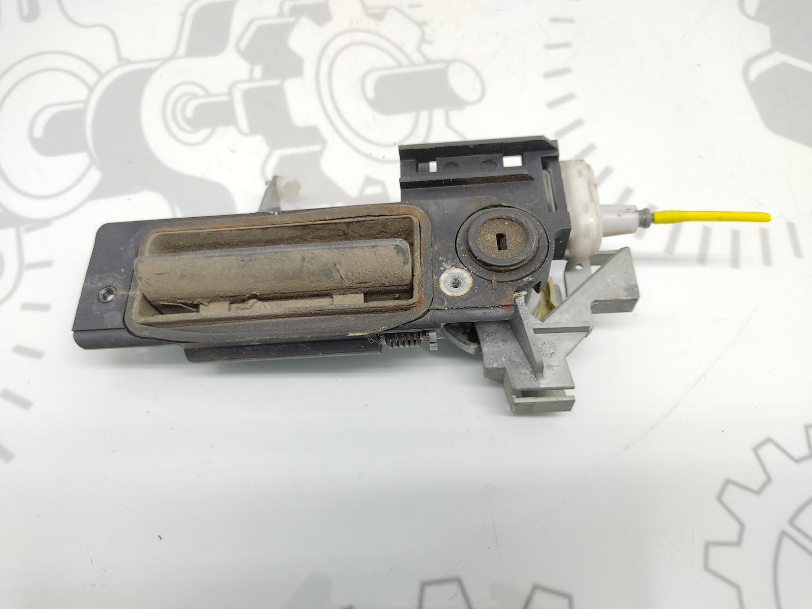 Ручка крышки багажника Mercedes C W202 2.0 I 2000 (б/у)