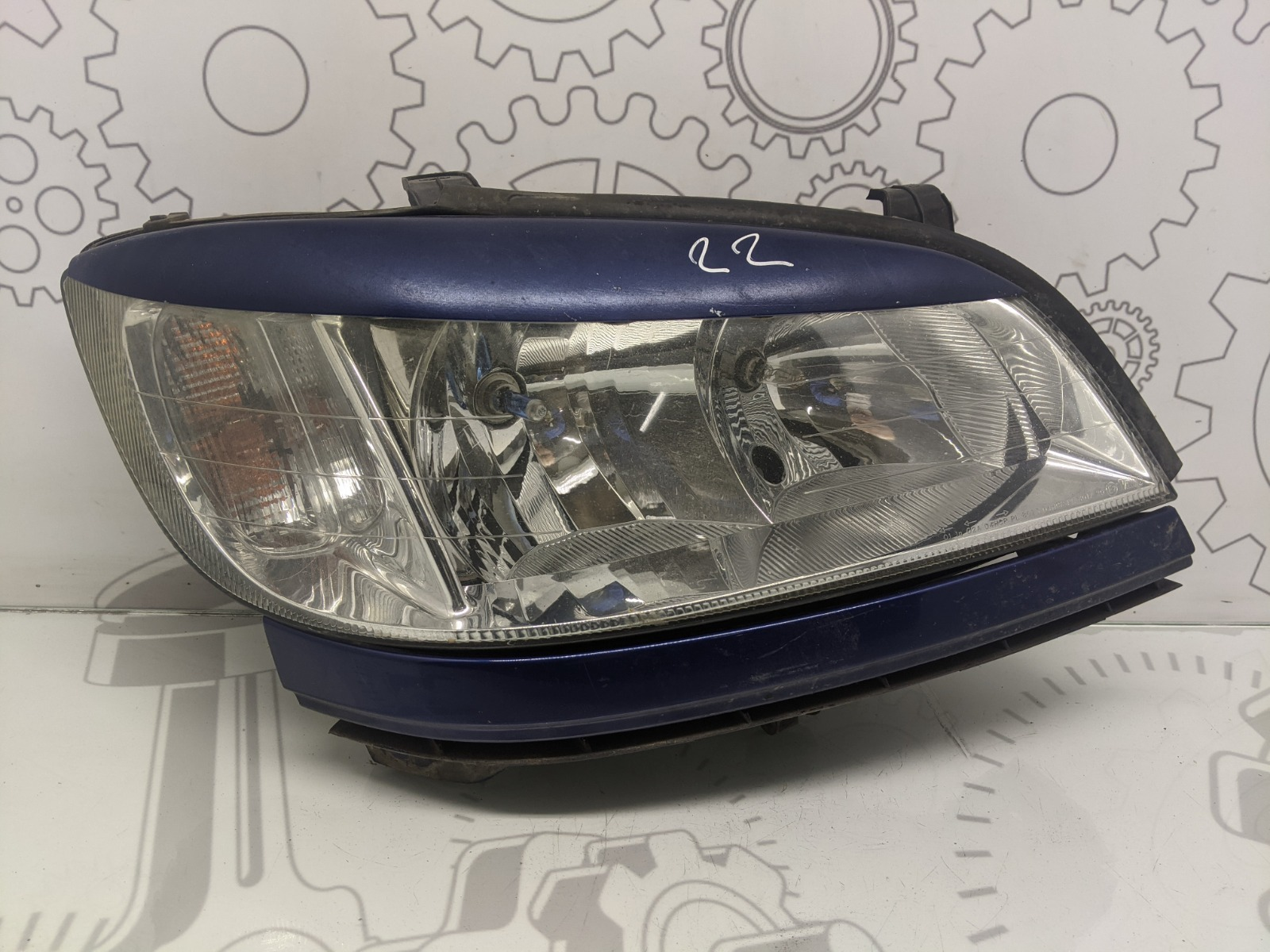Фара правая Opel Zafira A 2.0 DTI 2004 (б/у)