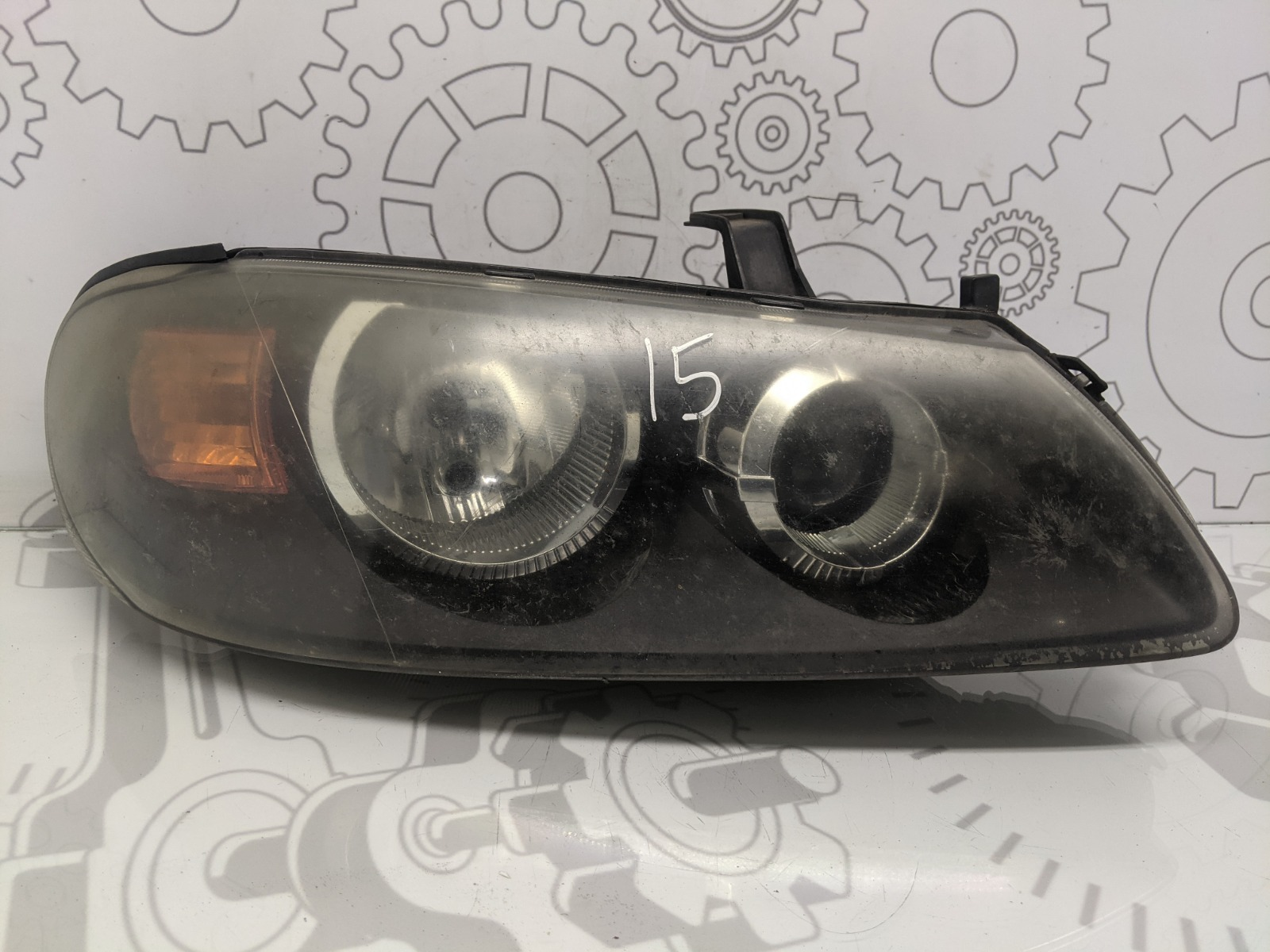Фара правая Nissan Almera N16 1.5 I 2003 (б/у)