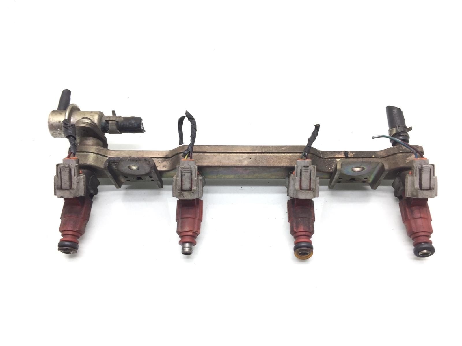 Топливная рампа Nissan Almera N16 1.5 I 2004 (б/у)