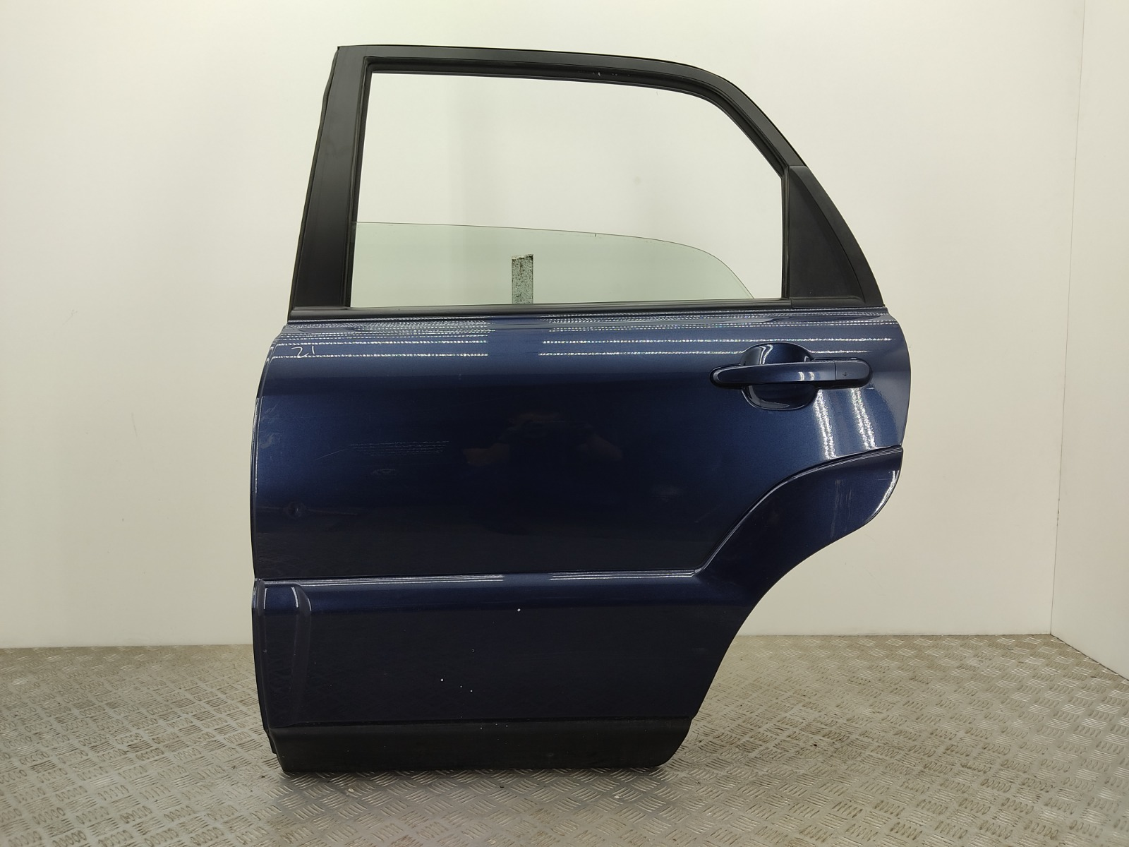 Дверь задняя левая Kia Sportage 2.0 CRDI 2009 (б/у)