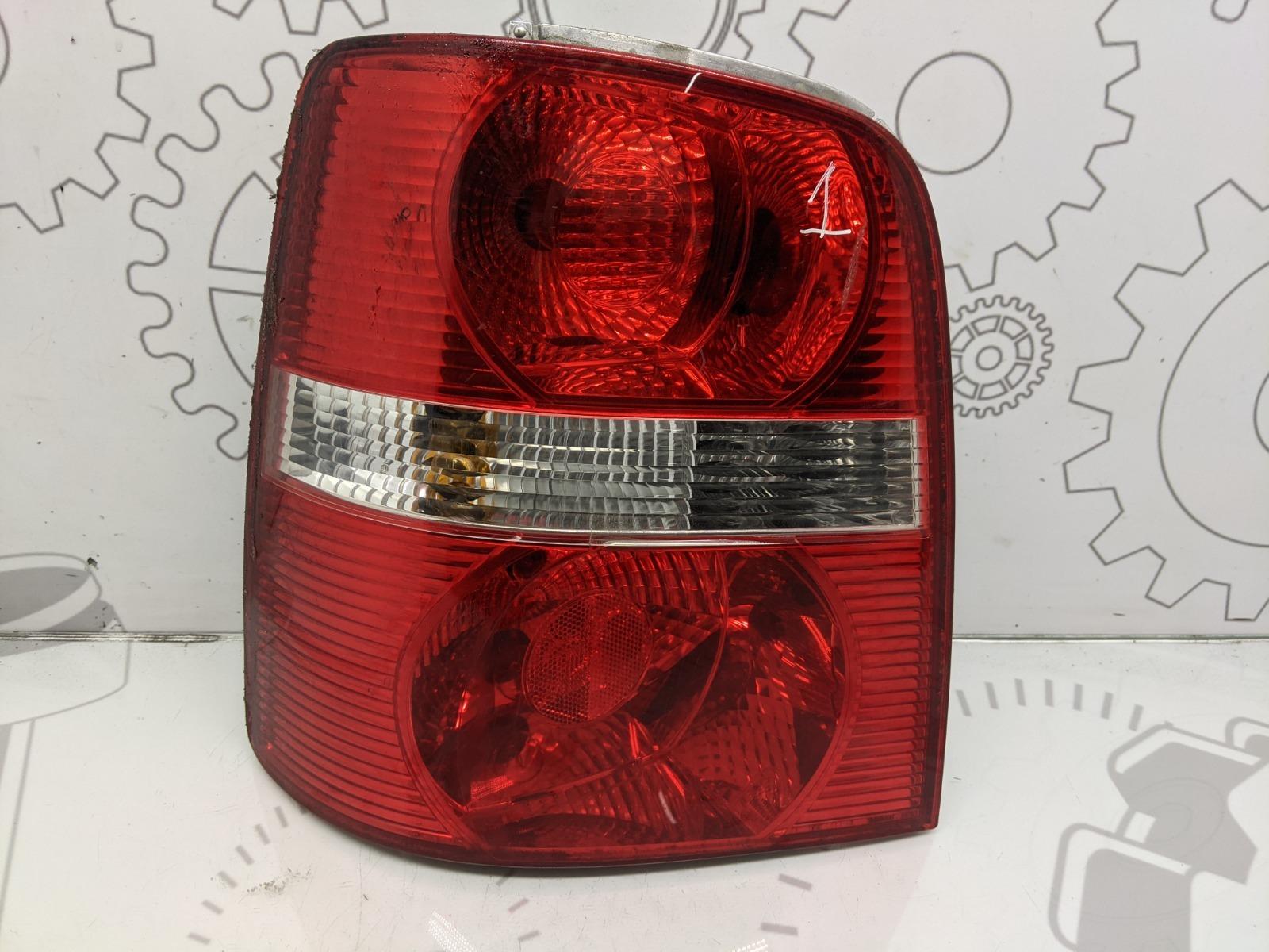 Фонарь задний левый Volkswagen Touran 2.0 TDI 2006 (б/у)