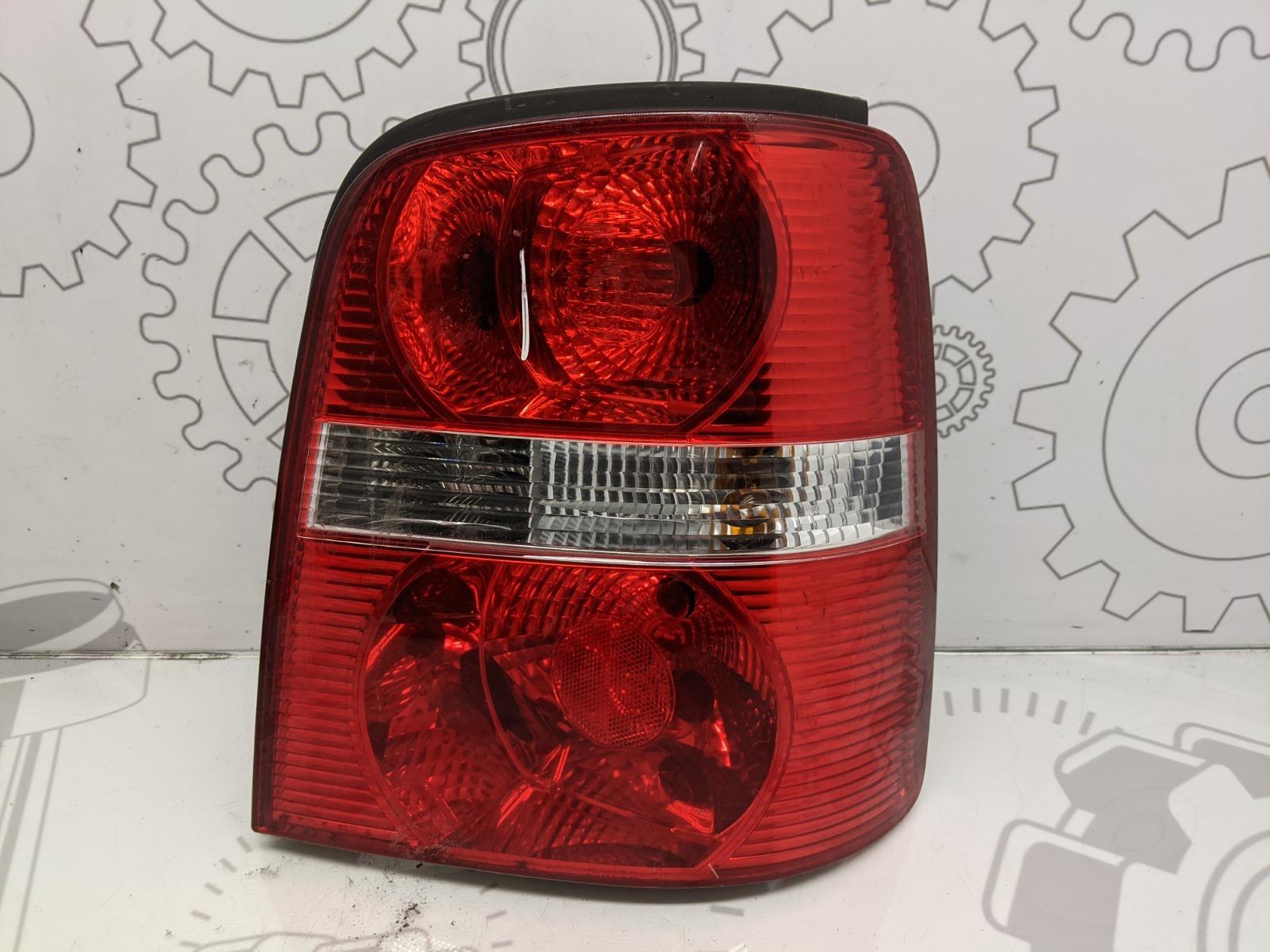 Фонарь задний правый Volkswagen Touran 2.0 TDI 2006 (б/у)