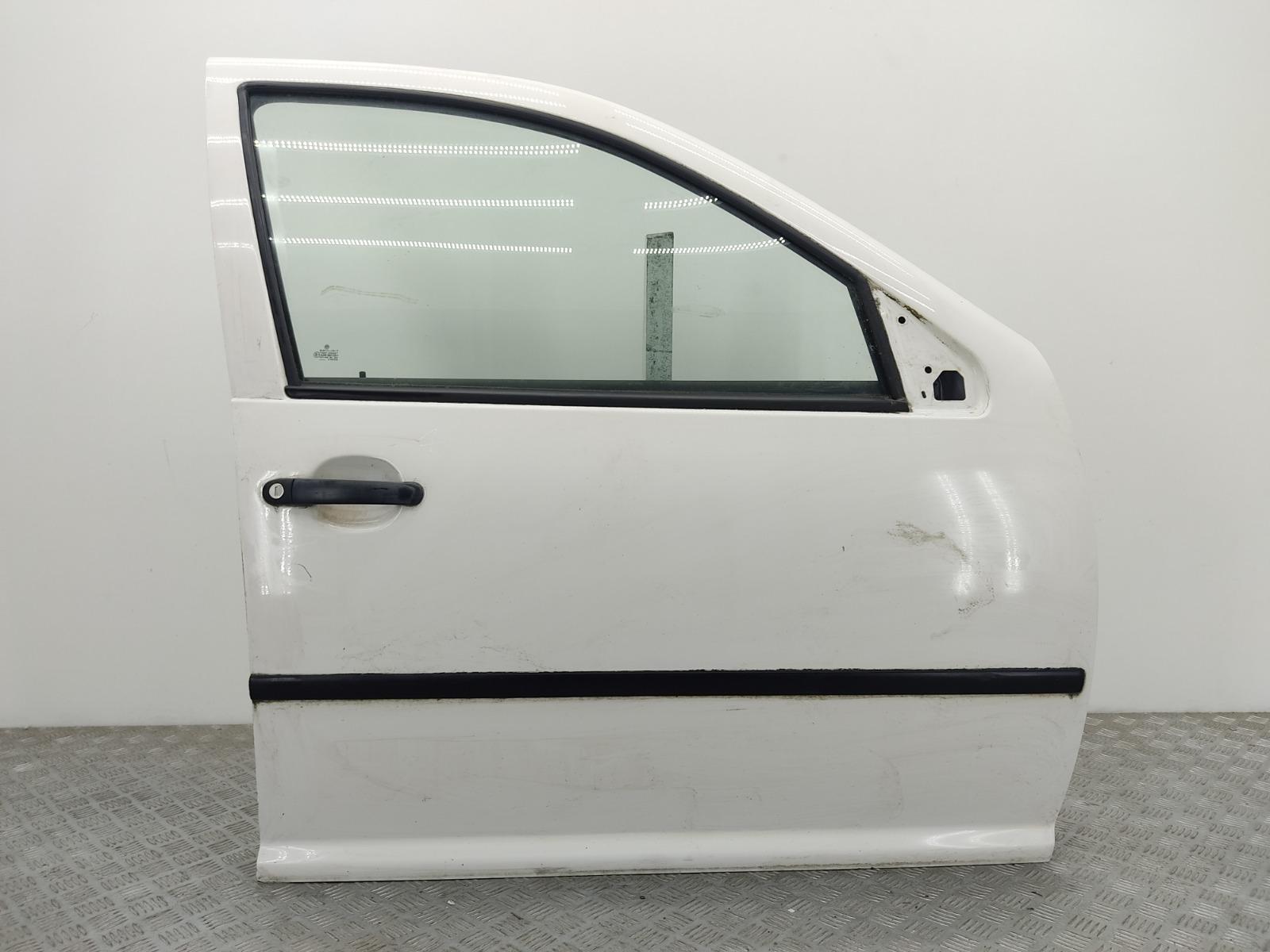 Дверь передняя правая Volkswagen Golf 4 1.6 I 2003 (б/у)