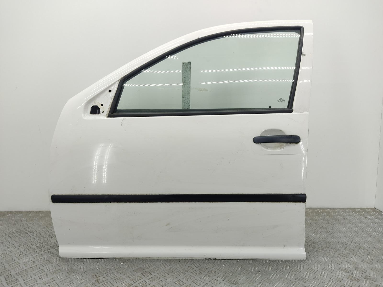 Дверь передняя левая Volkswagen Golf 4 1.6 I 2003 (б/у)