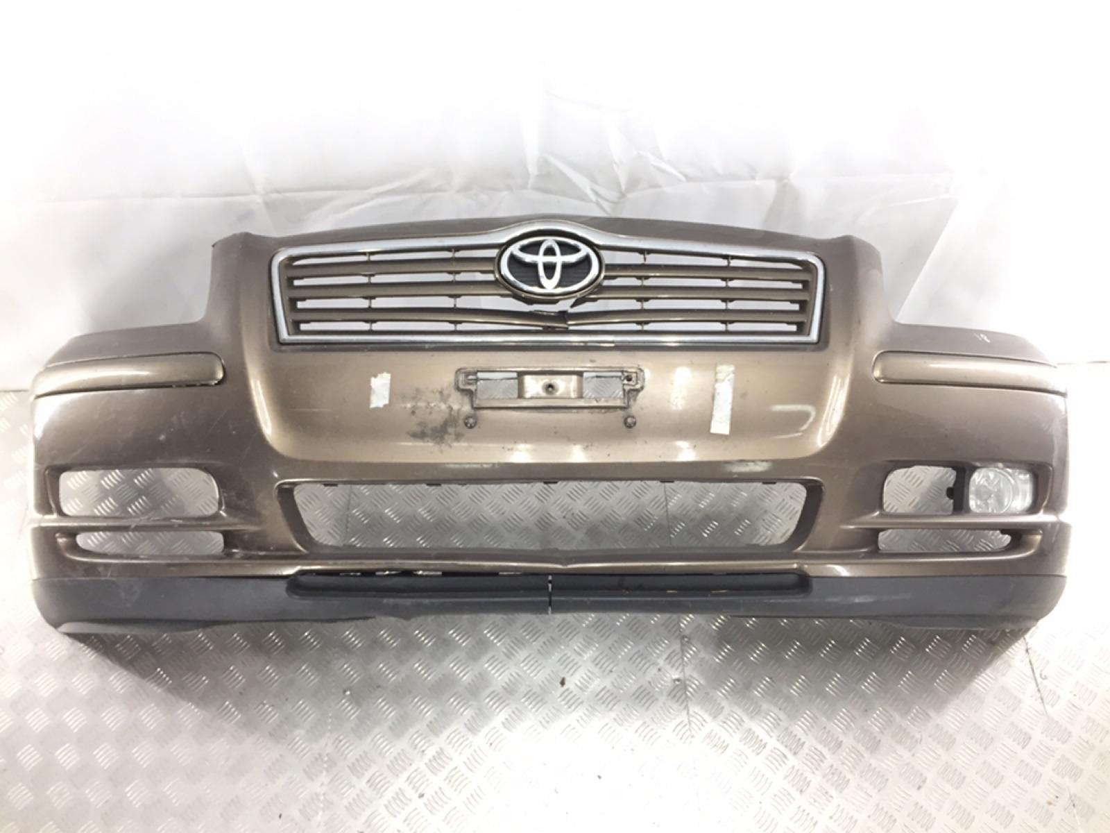 Бампер передний Toyota Avensis 2.0 D-4D 2004 (б/у)