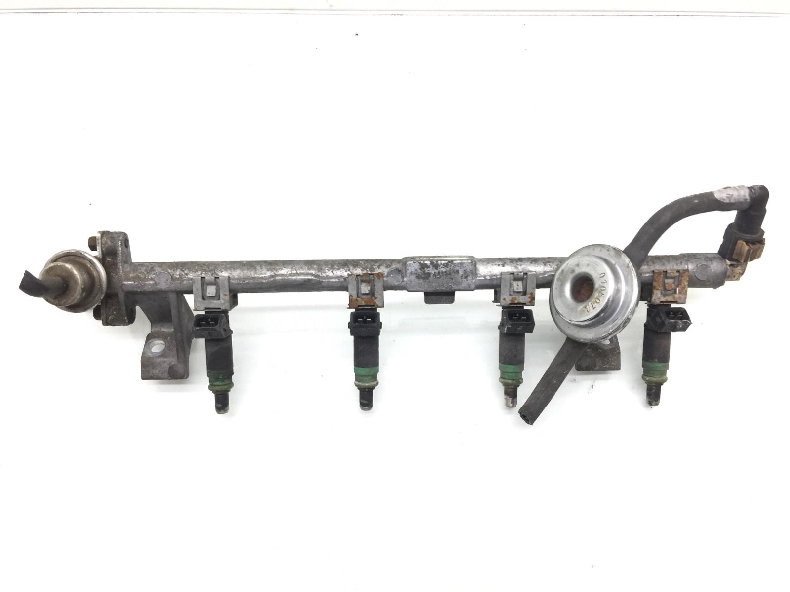 Топливная рампа Ford Focus 1.6 I 2001 (б/у)