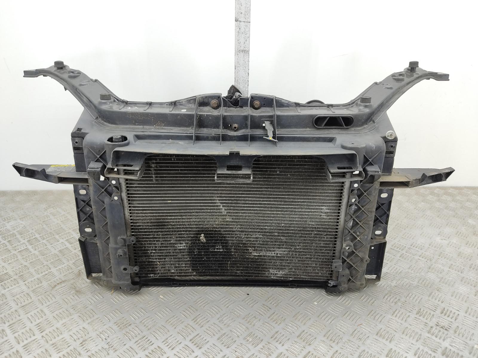 Панель передняя (телевизор) Ford Fiesta 1.4 TDCI 2007 (б/у)