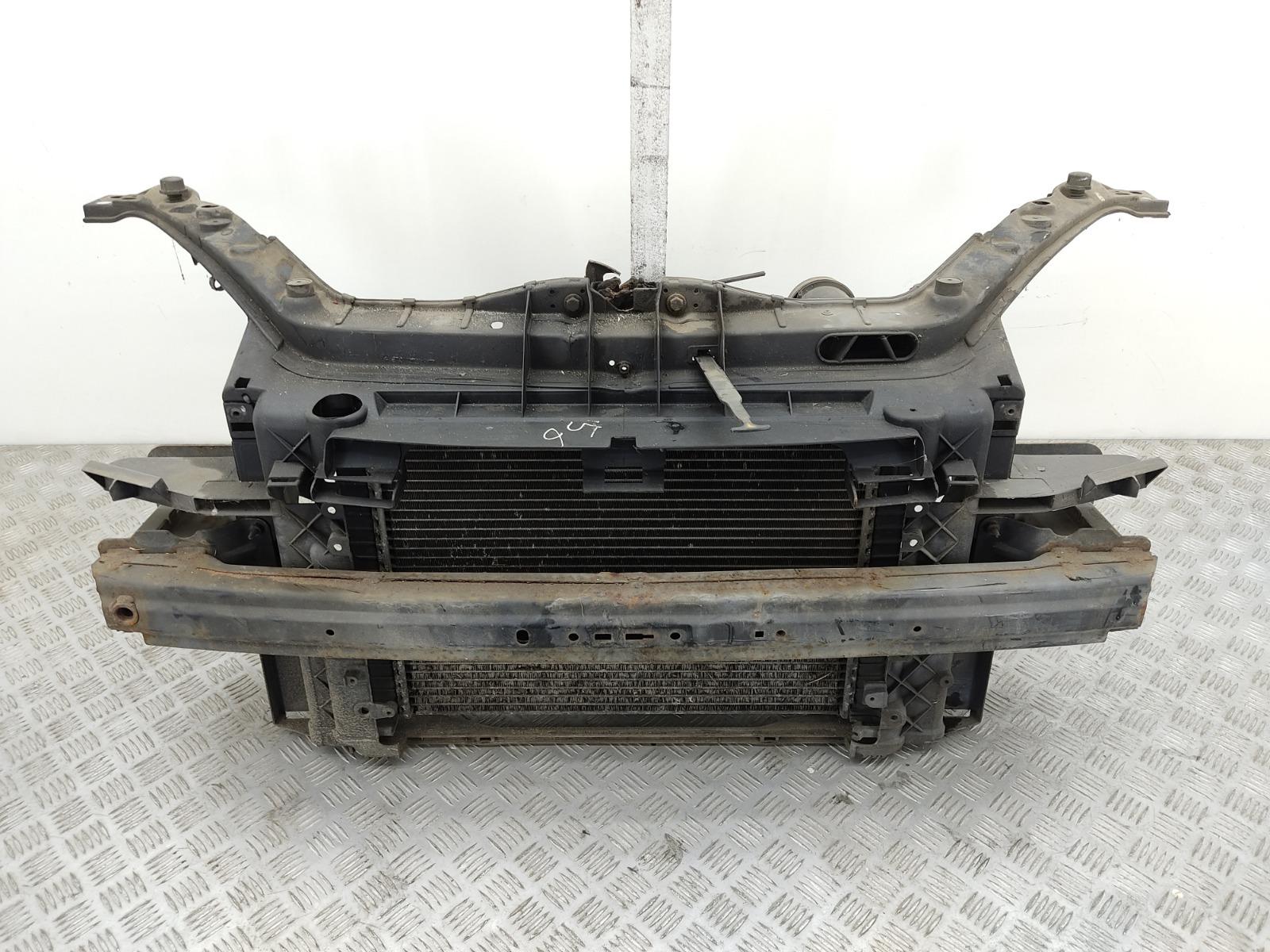 Панель передняя (телевизор) Ford Fiesta 1.4 TDCI 2004 (б/у)