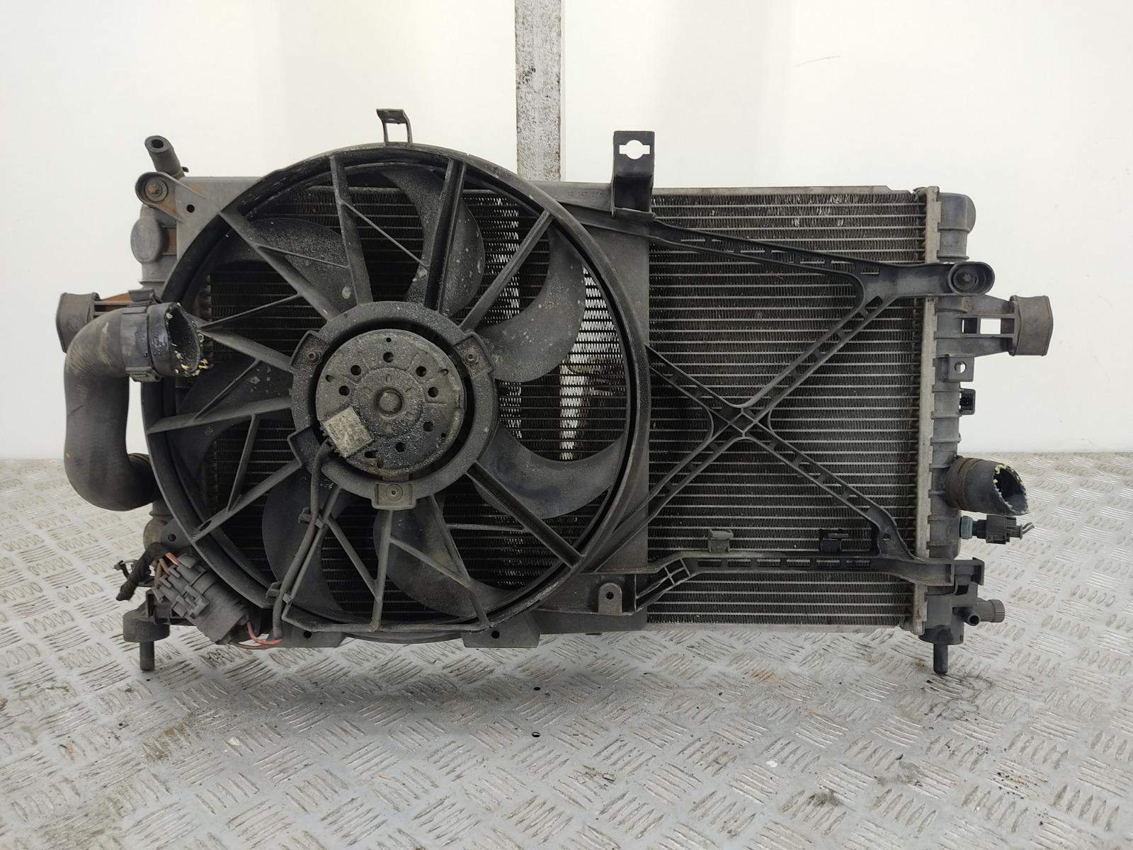 Кассета радиаторов Opel Zafira B 1.6 I 2009 (б/у)