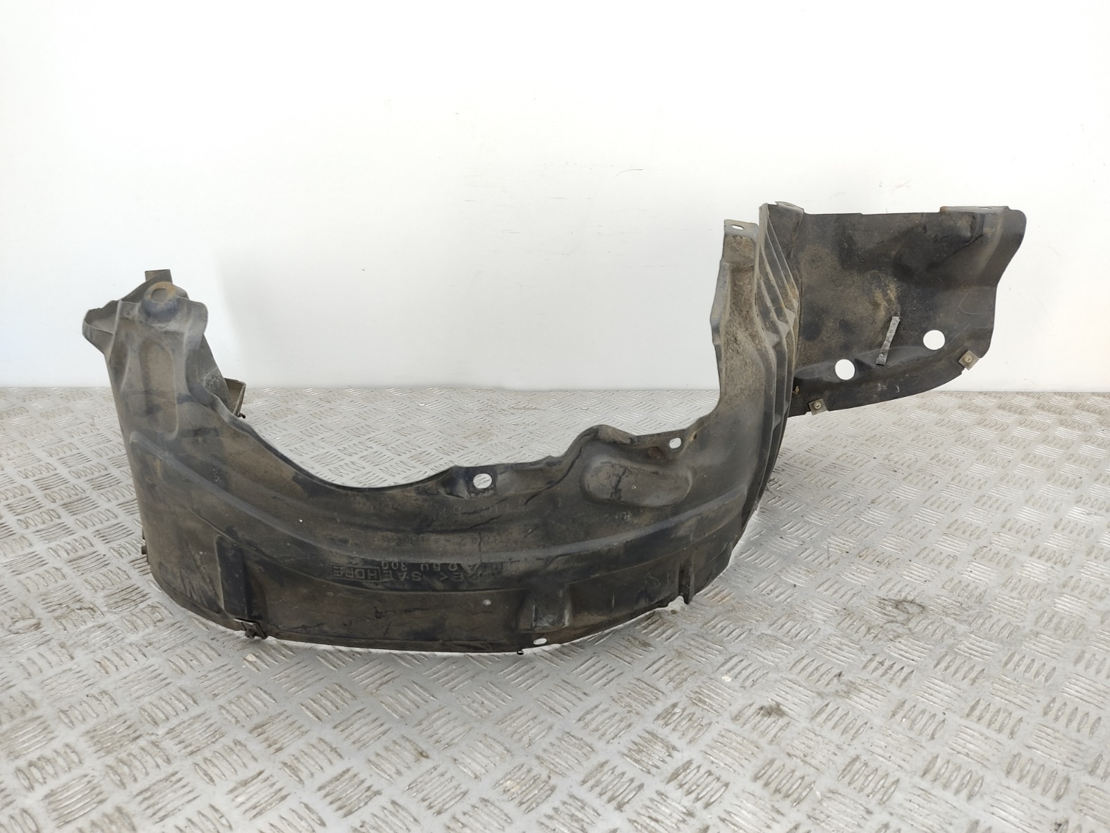Защита арок передняя правая (подкрылок) Nissan Almera Tino 2.0 I 2002 (б/у)