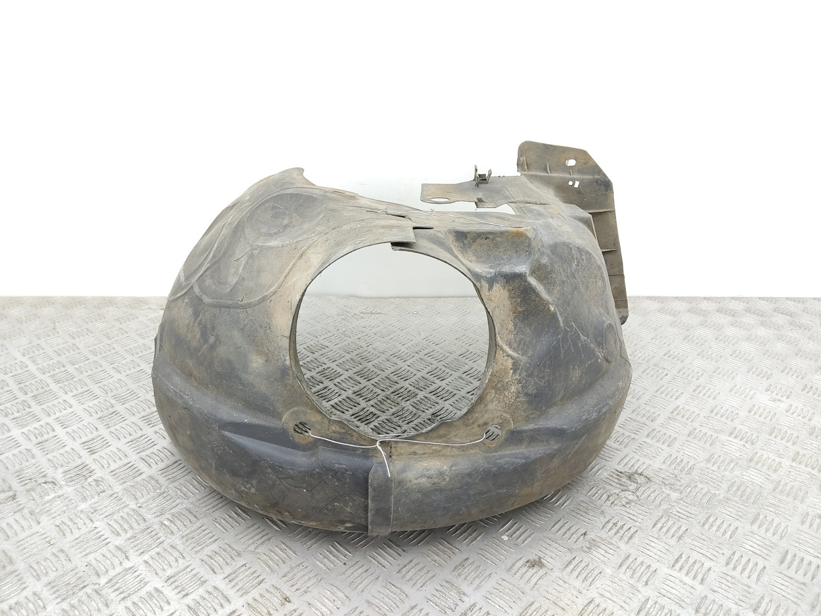 Защита арок передняя правая (подкрылок) Renault Megane 1 1.4 I 1998 (б/у)