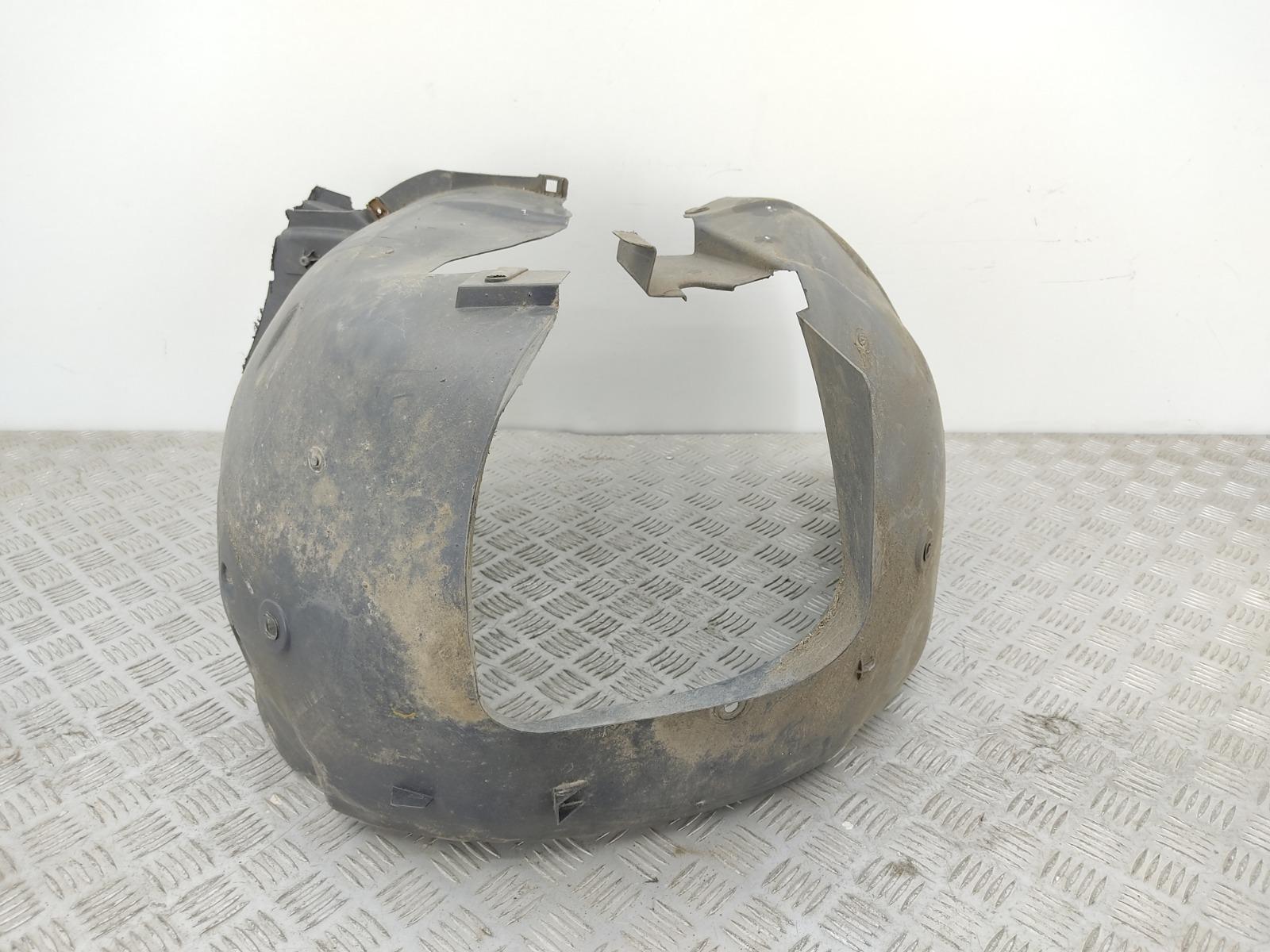 Защита арок передняя левая (подкрылок) Citroen C4 1.6 I 2006 (б/у)