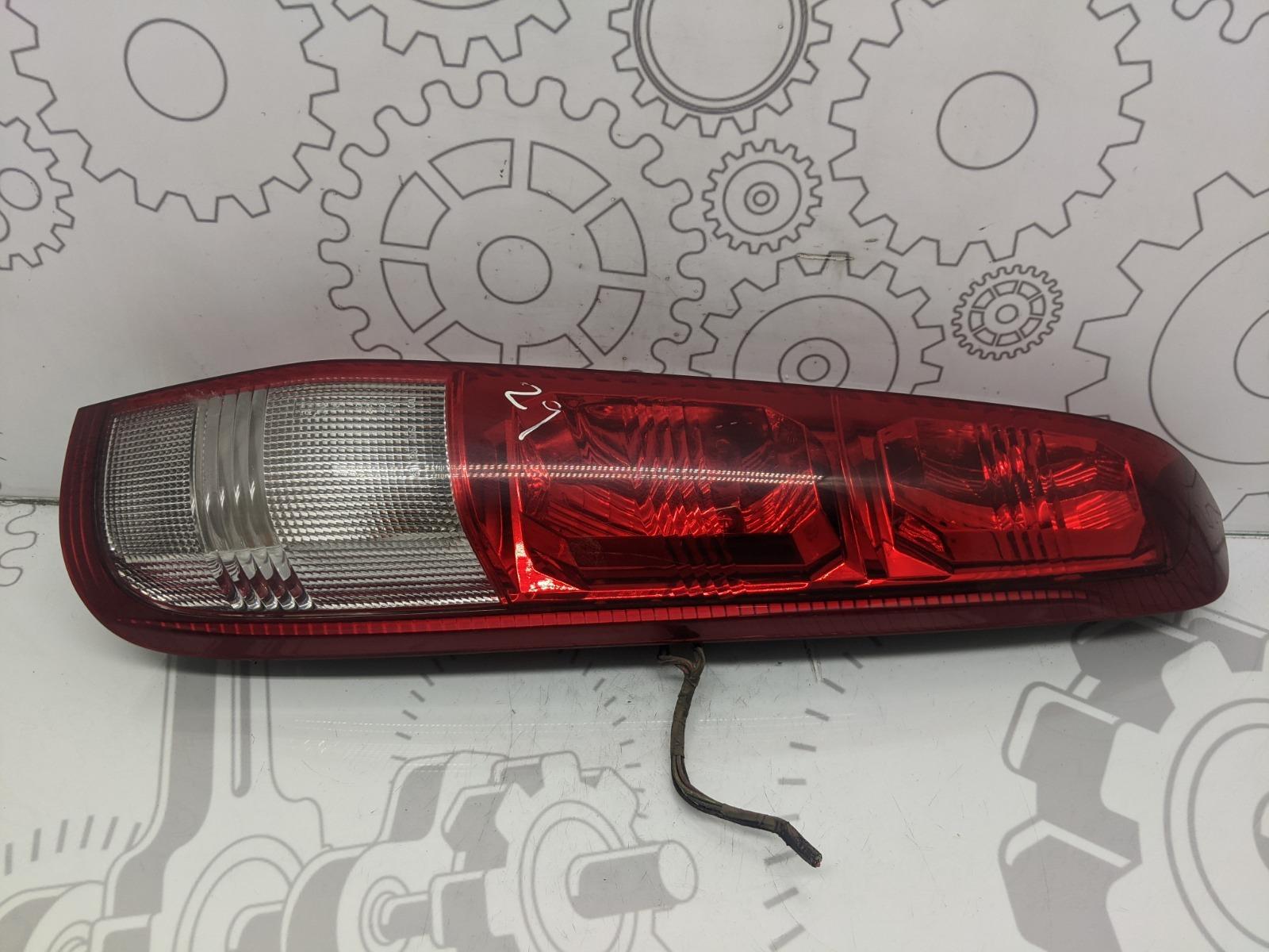 Фонарь задний правый Nissan X-Trail T30 2.0 I 2003 (б/у)