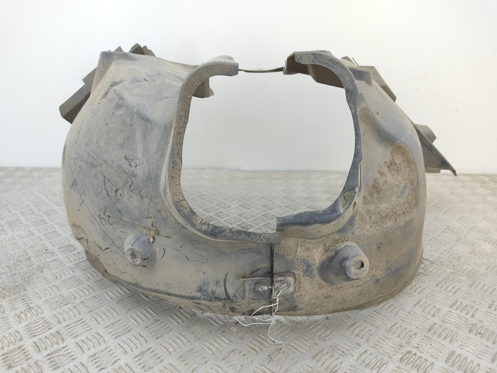 Защита арок передняя левая (подкрылок) Mercedes C W204 2.2 CDI 2012 (б/у)