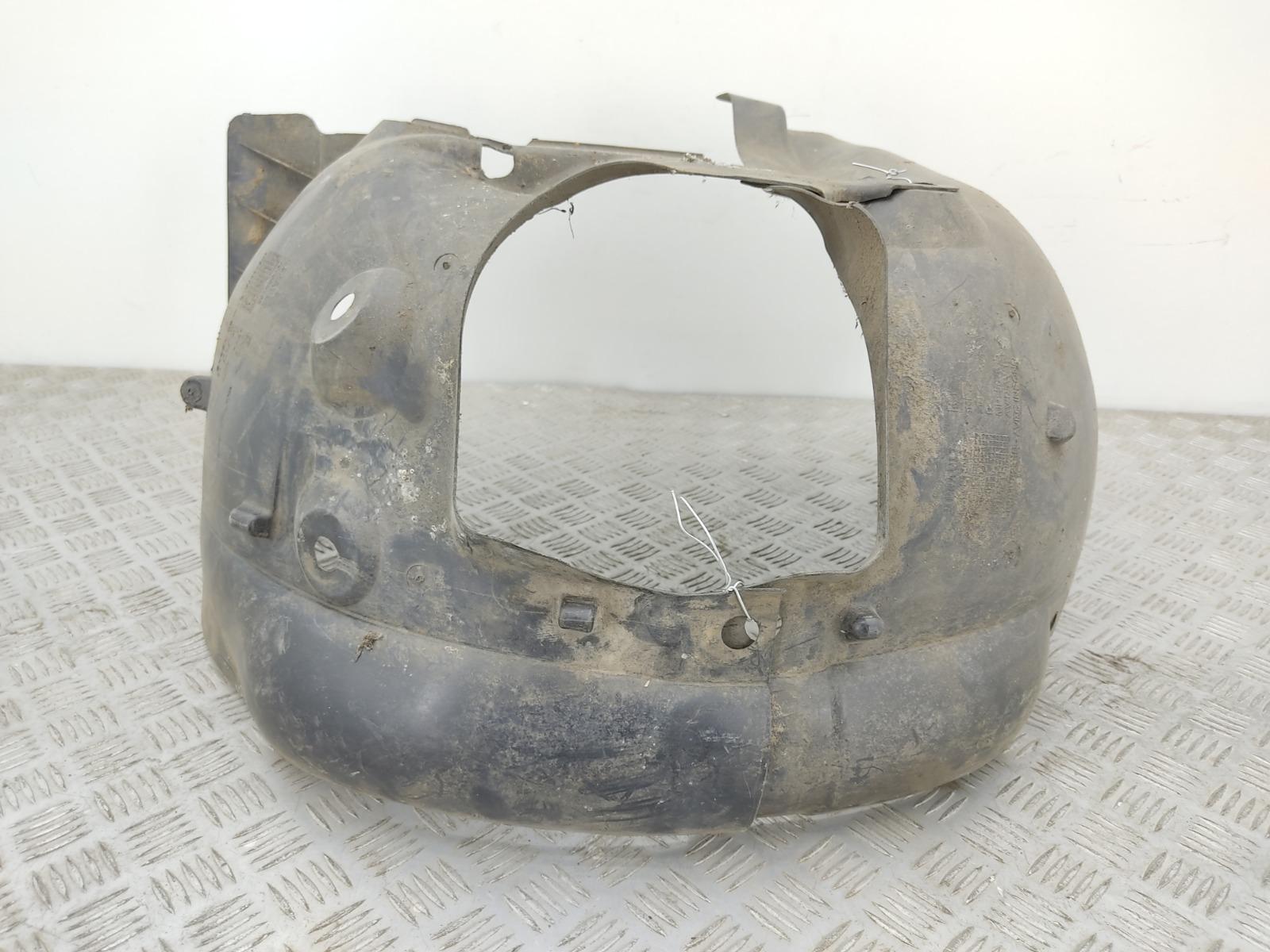 Защита арок передняя правая (подкрылок) Renault Clio 1.2 I 2011 (б/у)