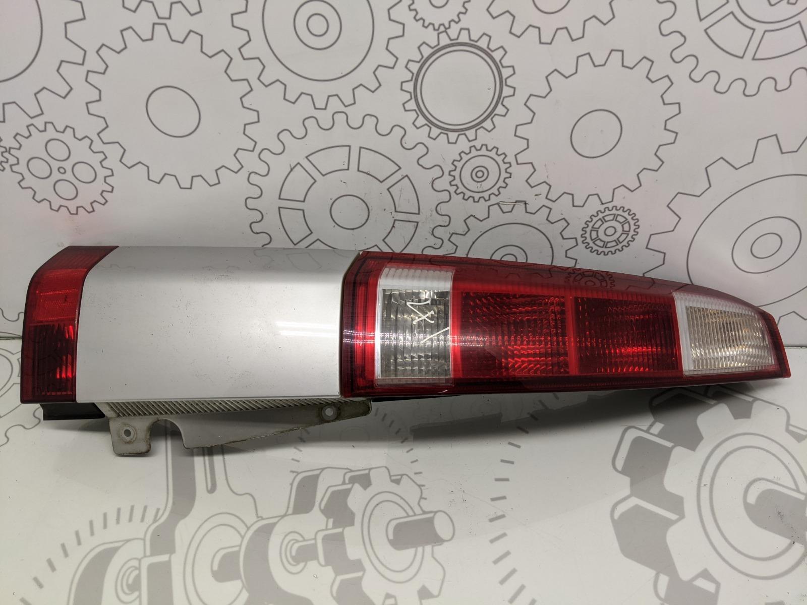 Фонарь задний левый Opel Meriva 1.4 I 2005 (б/у)