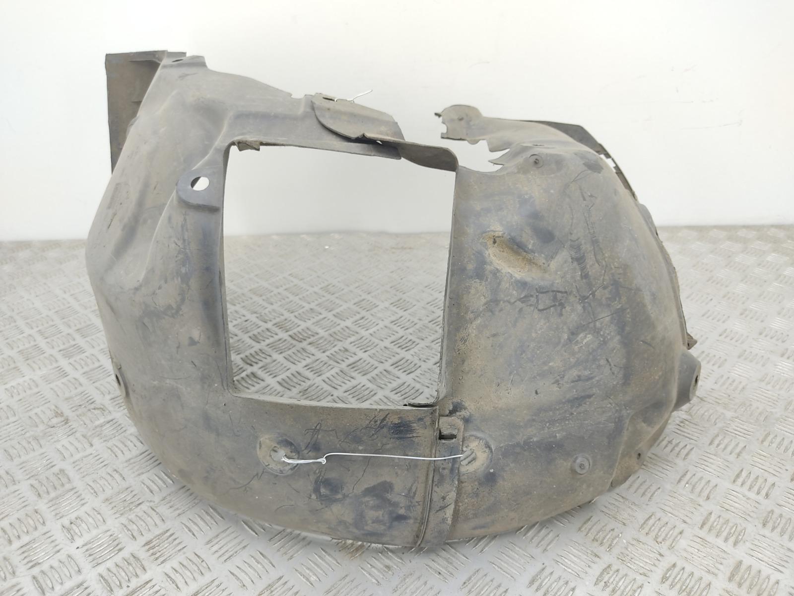 Защита арок передняя правая (подкрылок) Renault Megane 1.6 I 2008 (б/у)