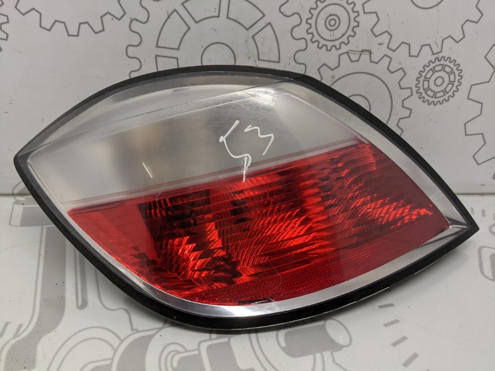 Фонарь задний правый Opel Astra H 1.8 I 2005 (б/у)