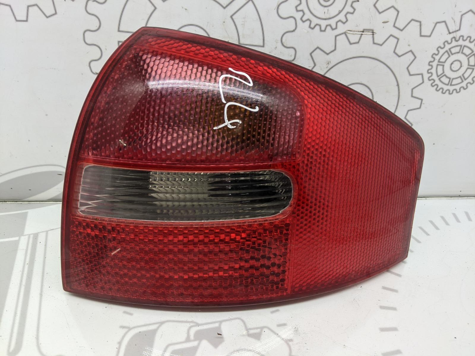Фонарь задний правый Audi A6 C5 2.5 TDI 2002 (б/у)