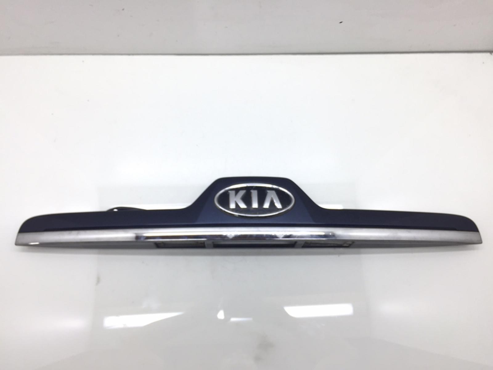 Накладка подсветки номера Kia Sportage 2.0 CRDI 2009 (б/у)