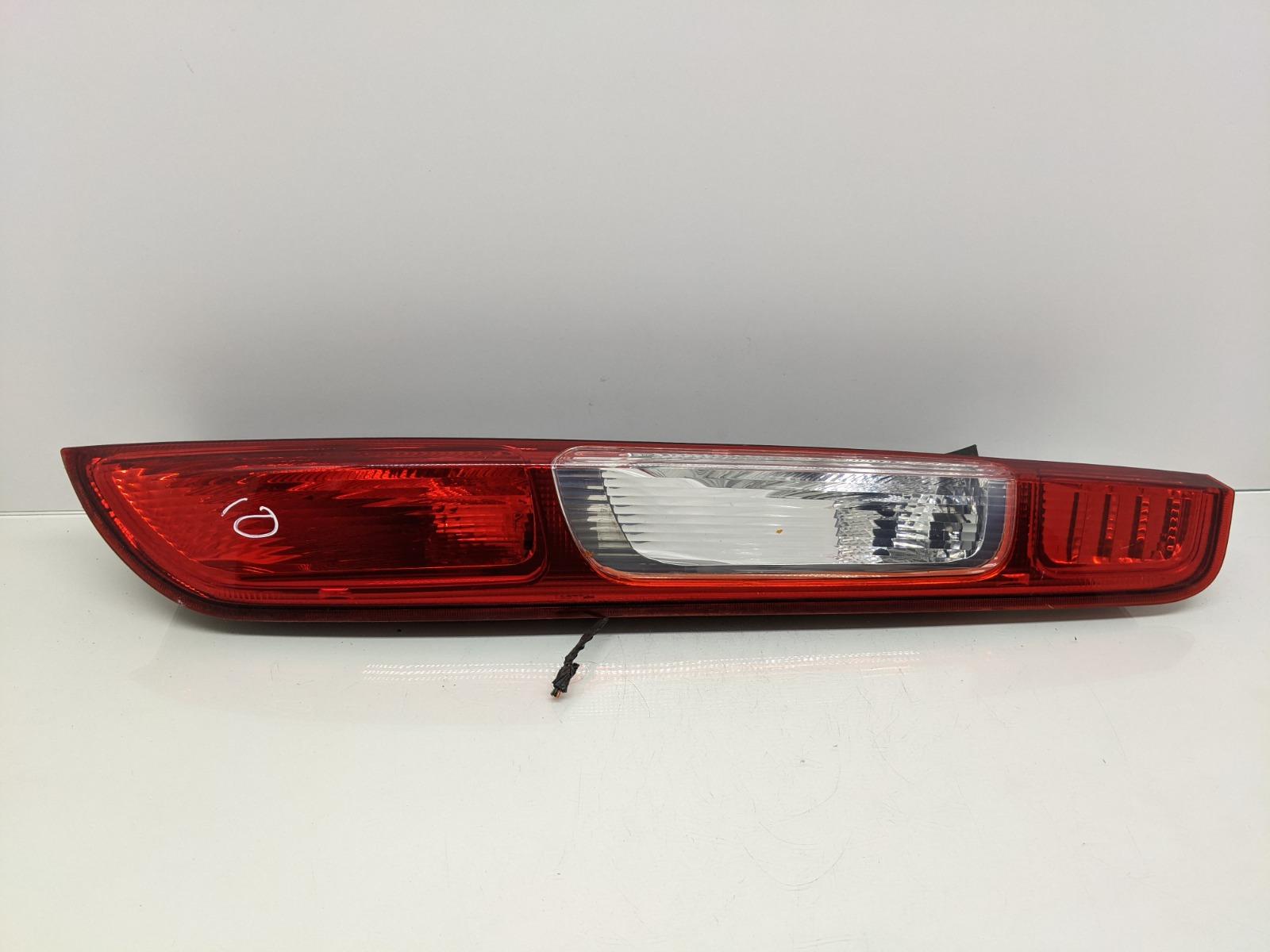 Фонарь задний правый Ford Focus 1.6 I 2007 (б/у)