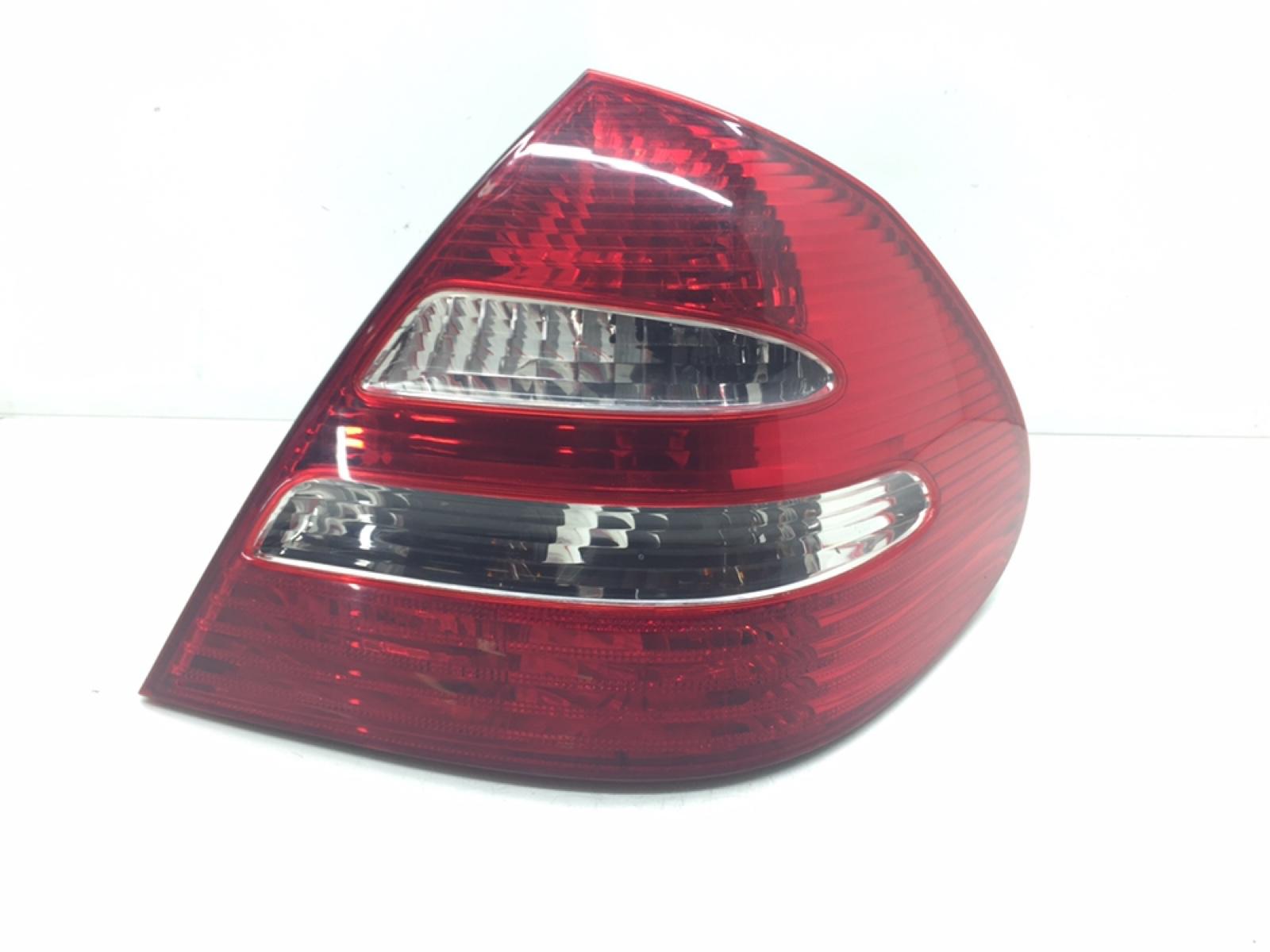 Фонарь задний правый Mercedes E W211 3.0 CDI 2005 (б/у)