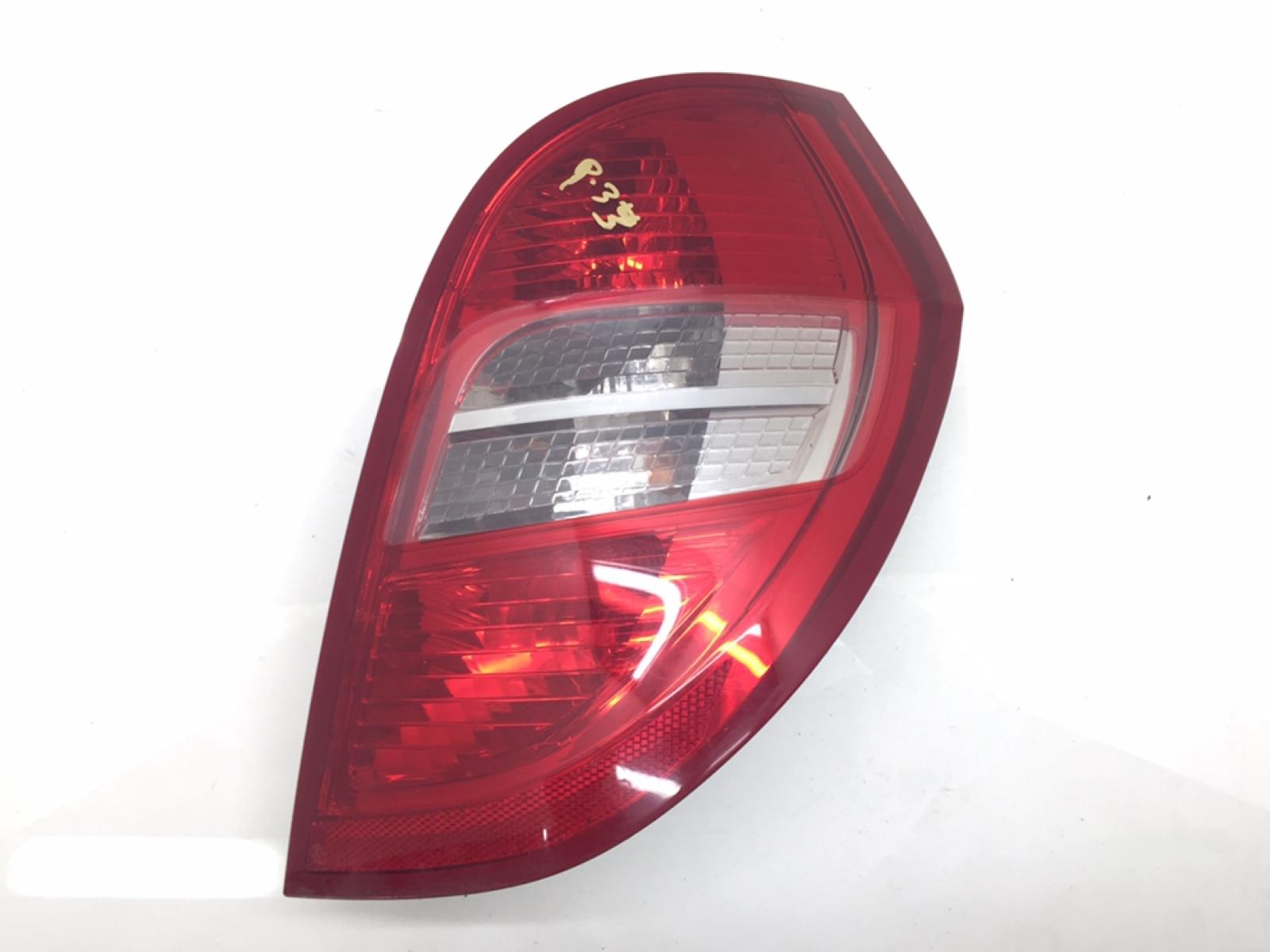 Фонарь задний правый Mercedes A W169 1.5 I 2008 (б/у)
