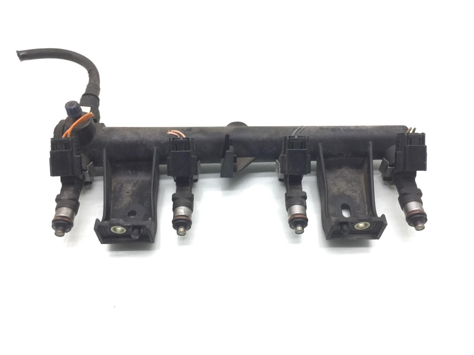 Топливная рампа Peugeot 307 1.6 I 2007 (б/у)