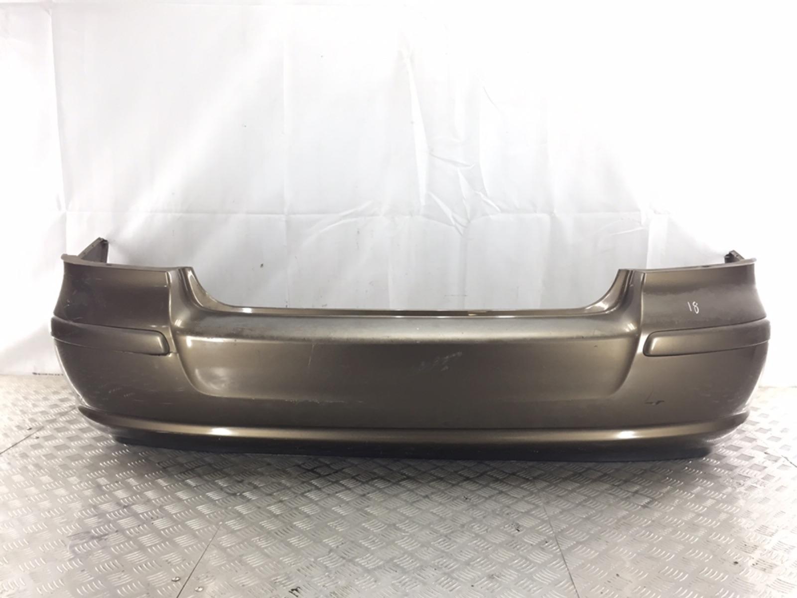 Бампер задний Toyota Avensis 2.0 D-4D 2004 (б/у)