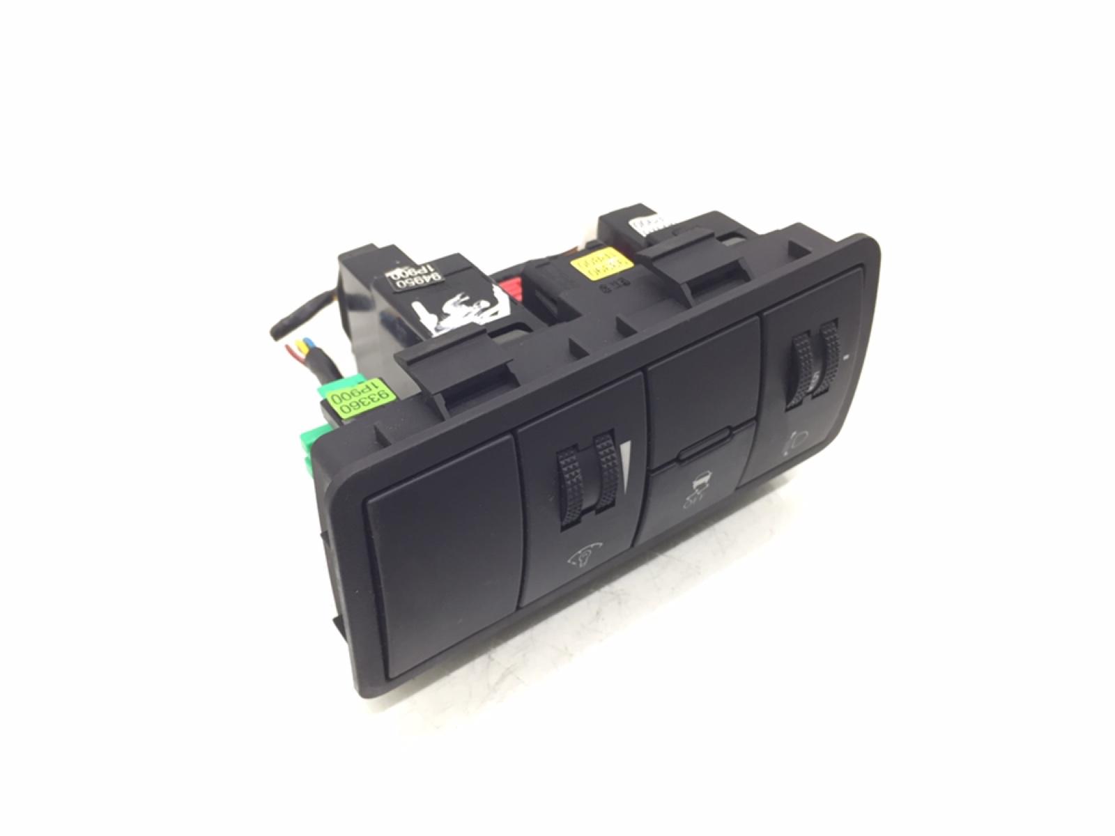 Кнопка антипробуксовочной системы Kia Venga 1.4 I 2010 (б/у)