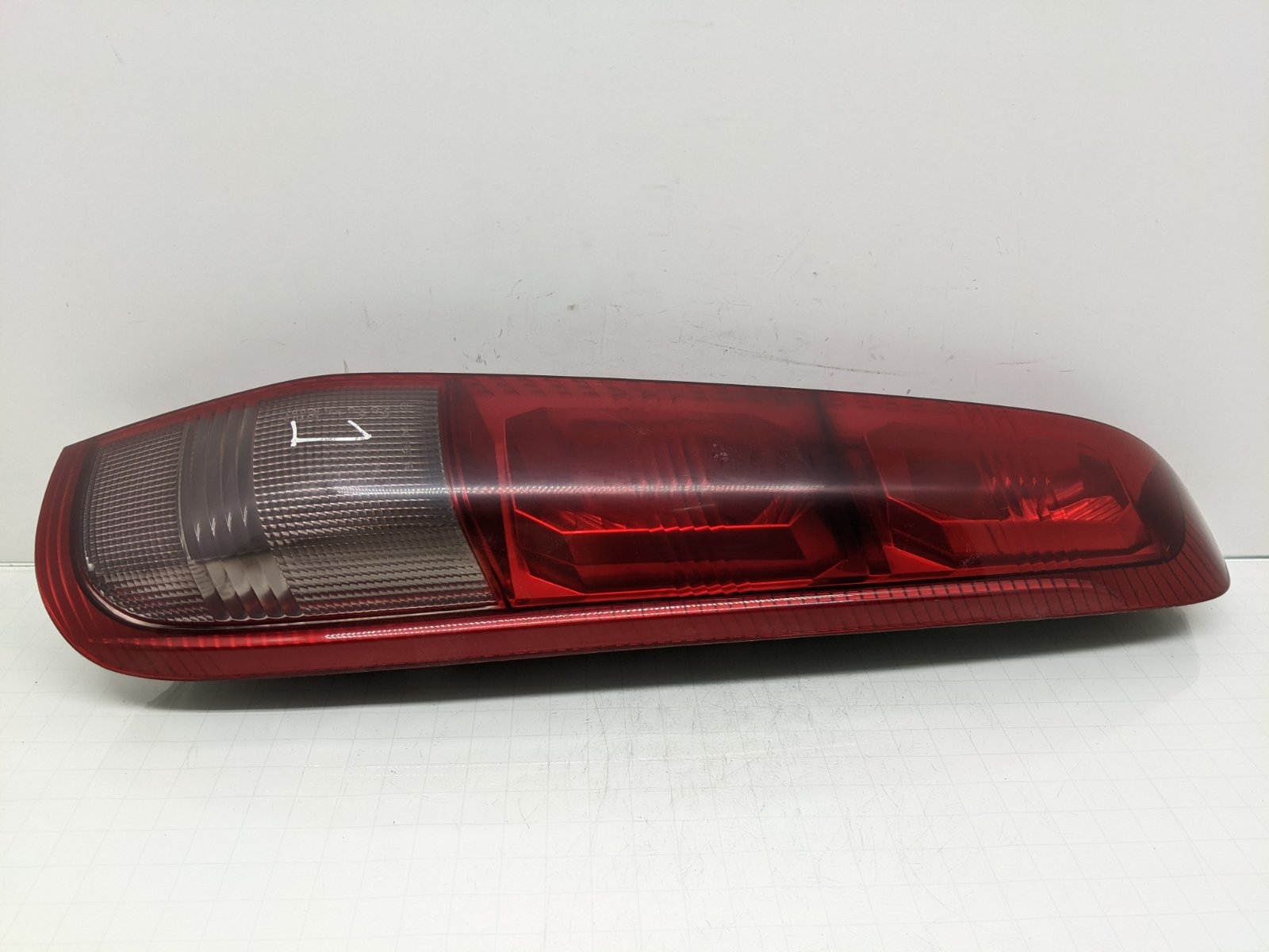 Фонарь задний правый Nissan X-Trail T30 2.2 DCI 2006 (б/у)