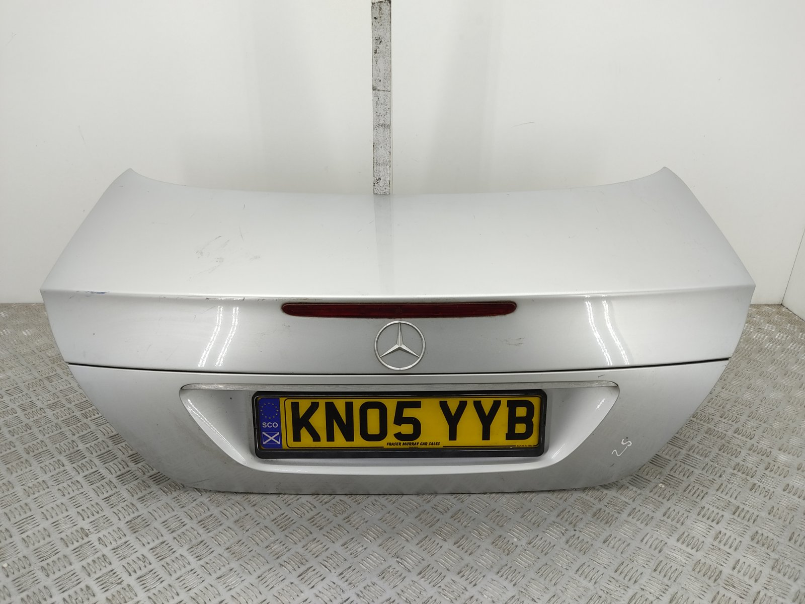 Крышка багажника Mercedes E W211 2.7 CDI 2005 (б/у)