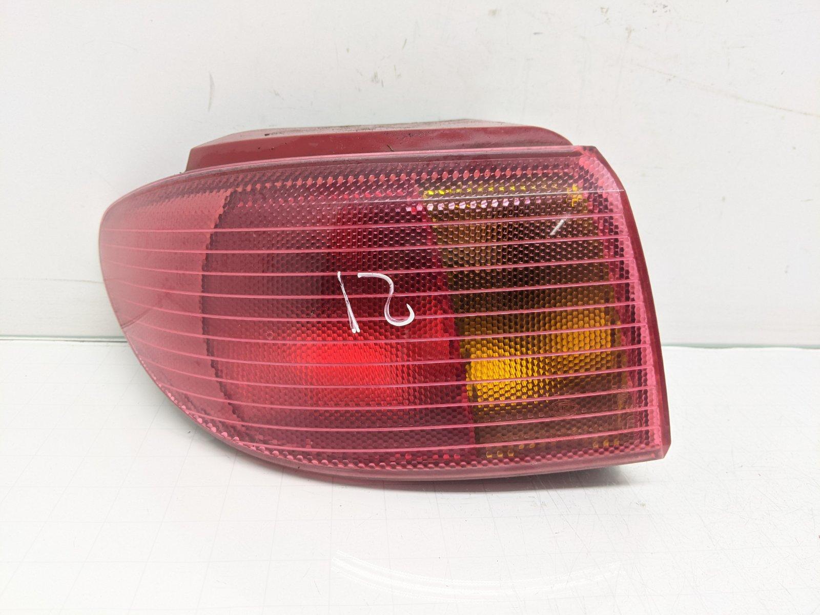 Фонарь задний левый Mazda 2 1.4 I 2005 (б/у)