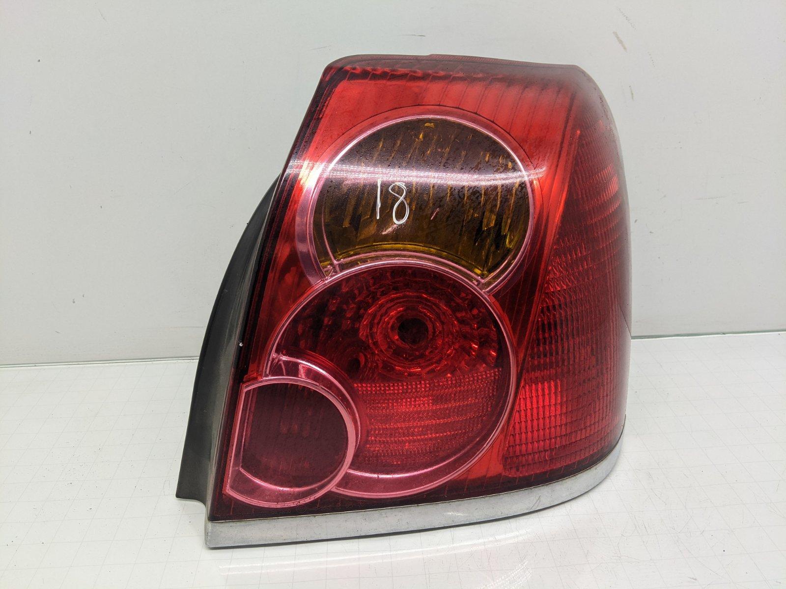 Фонарь задний правый Toyota Avensis 2.0 D-4D 2004 (б/у)