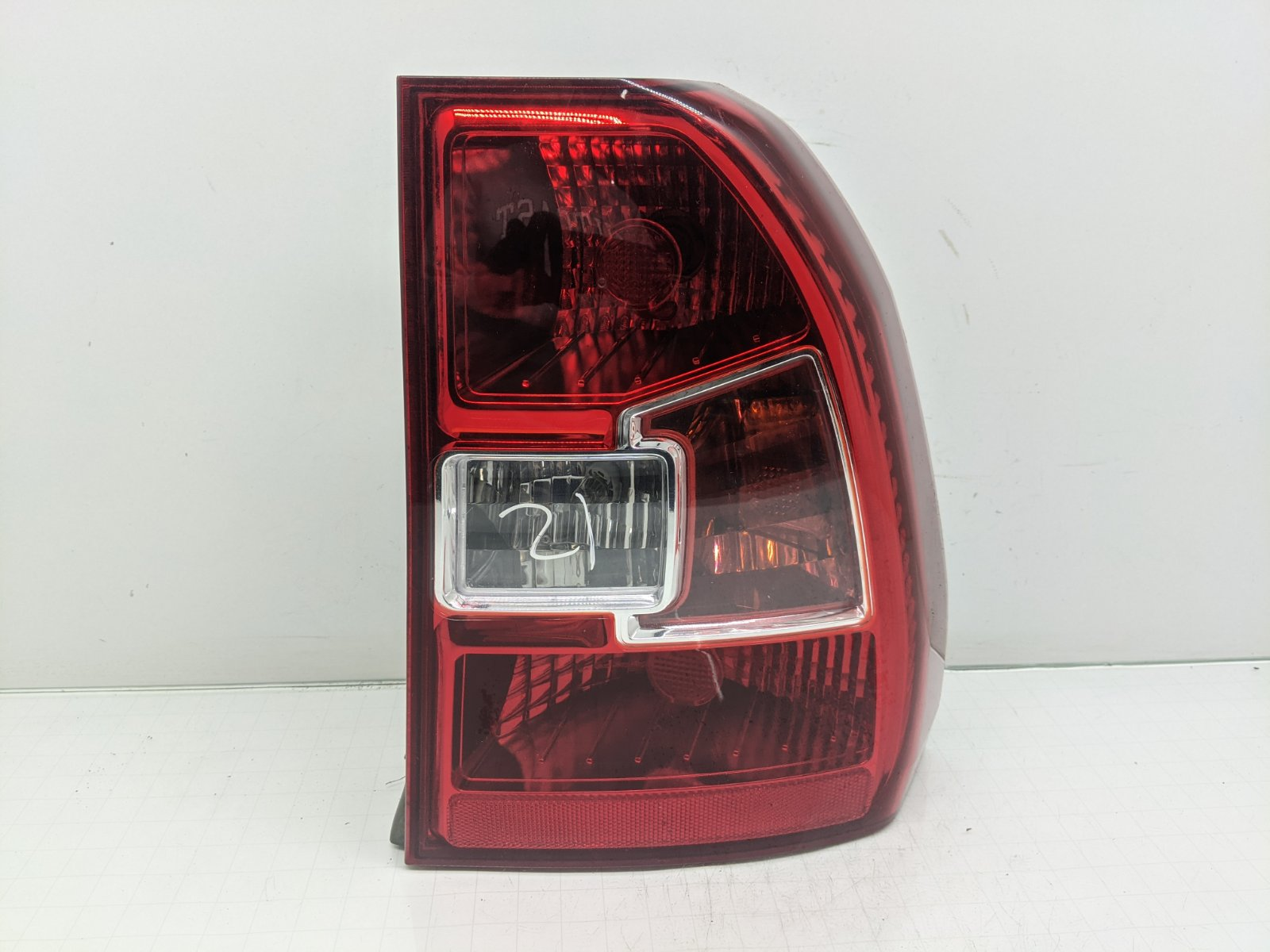 Фонарь задний правый Kia Sportage 2.0 CRDI 2009 (б/у)