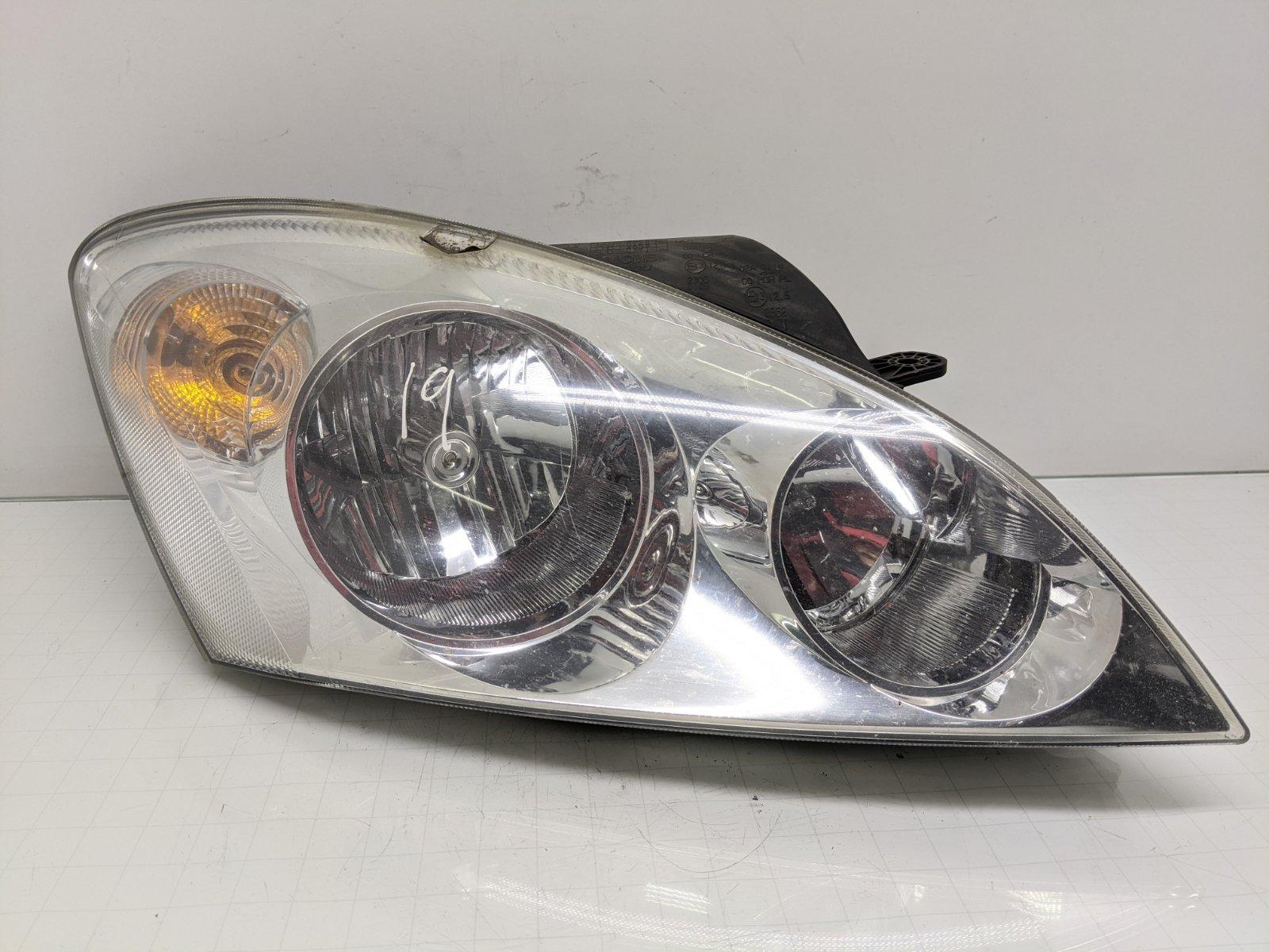 Фара правая Kia Ceed 1.6 CRDI 2009 (б/у)