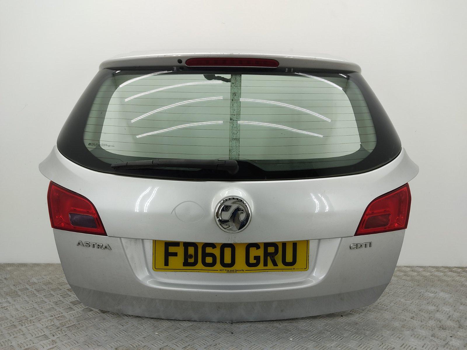 Крышка багажника Opel Astra J 1.7 CDTI 2010 (б/у)