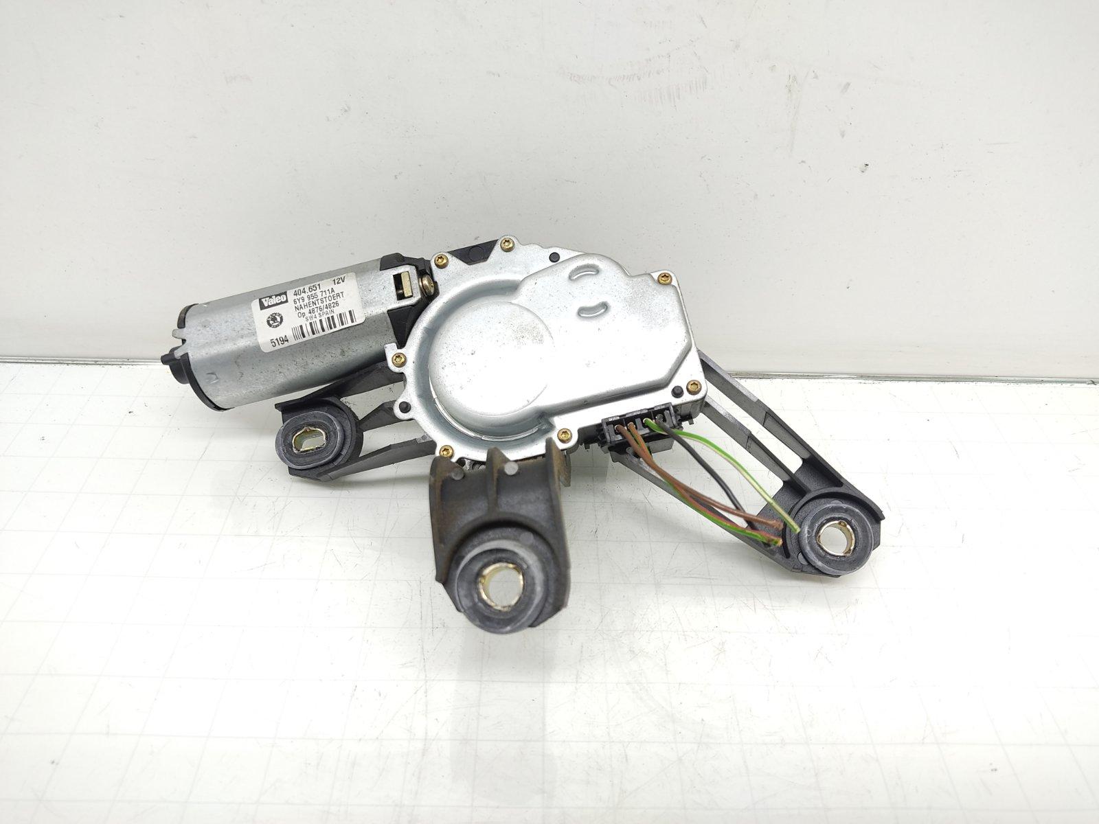 Моторчик заднего стеклоочистителя (дворника) Skoda Fabia 1 1.2 I 2004 (б/у)