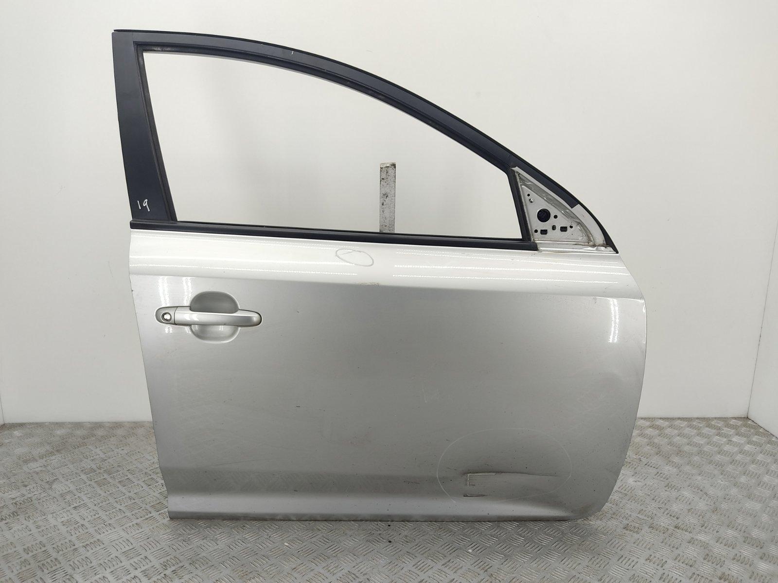 Дверь передняя правая Kia Ceed 1.6 CRDI 2009 (б/у)