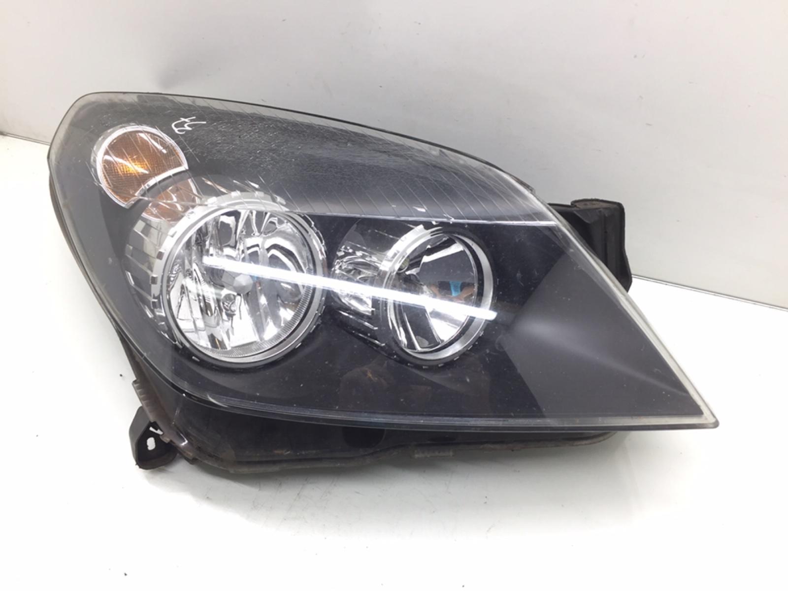 Фара правая Opel Astra H 1.7 CDTI 2007 (б/у)