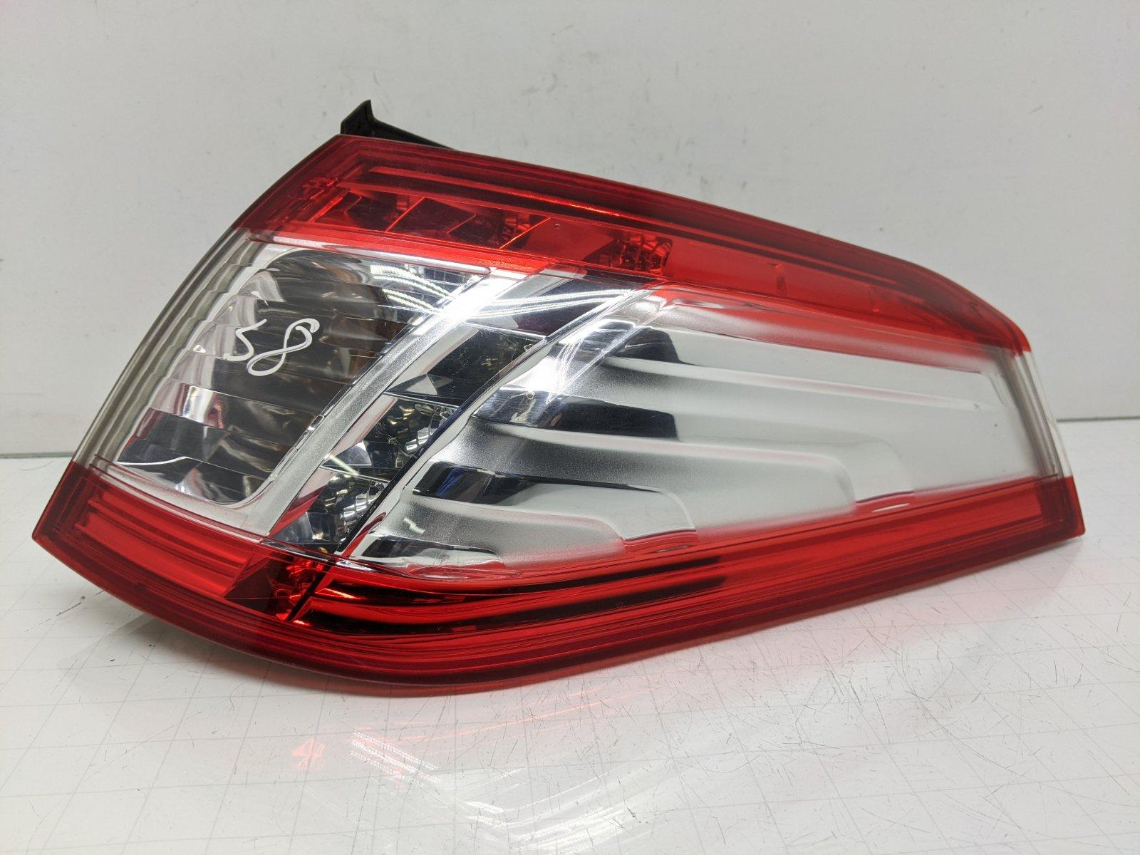 Фонарь задний правый Peugeot 508 1.6 HDI 2011 (б/у)