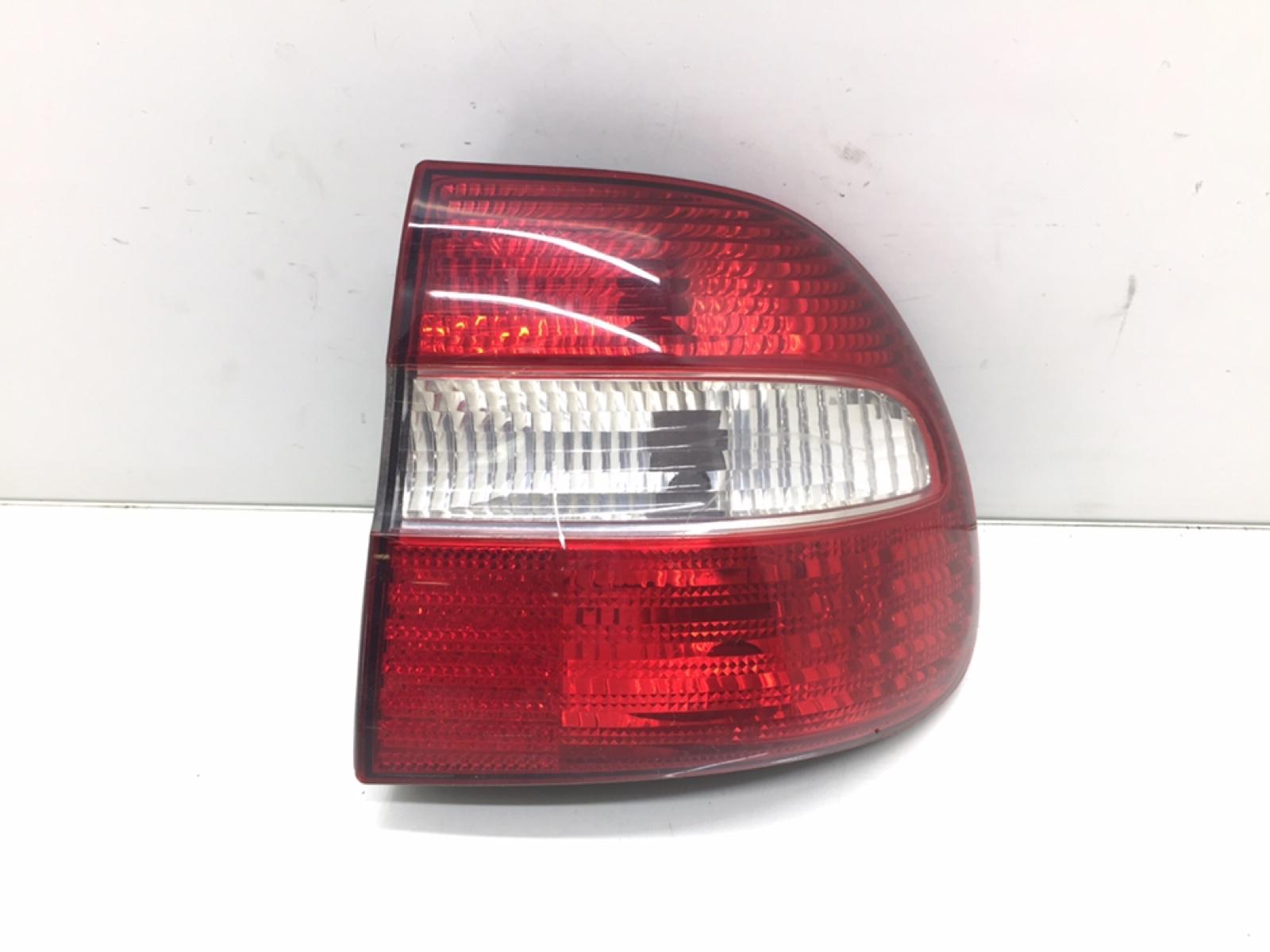 Фонарь задний правый Volvo V40 2.0 I 2000 (б/у)