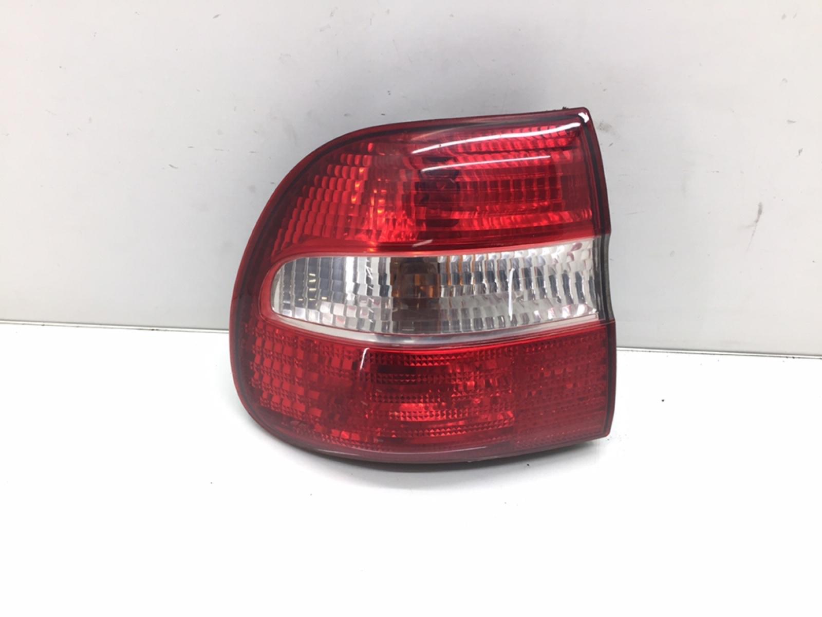 Фонарь задний левый Volvo V40 2.0 I 2000 (б/у)