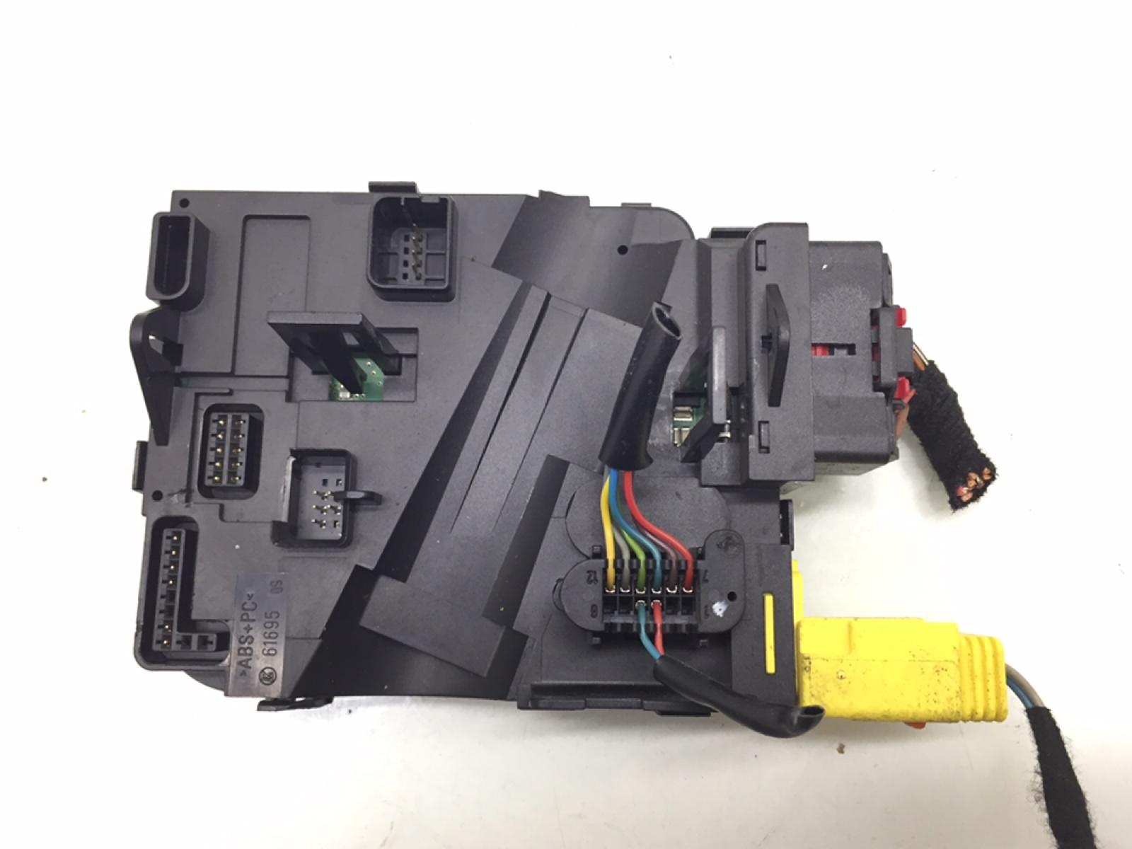 Блок управления подрулевыми переключателями Seat Toledo 1.6 I 2006 (б/у)