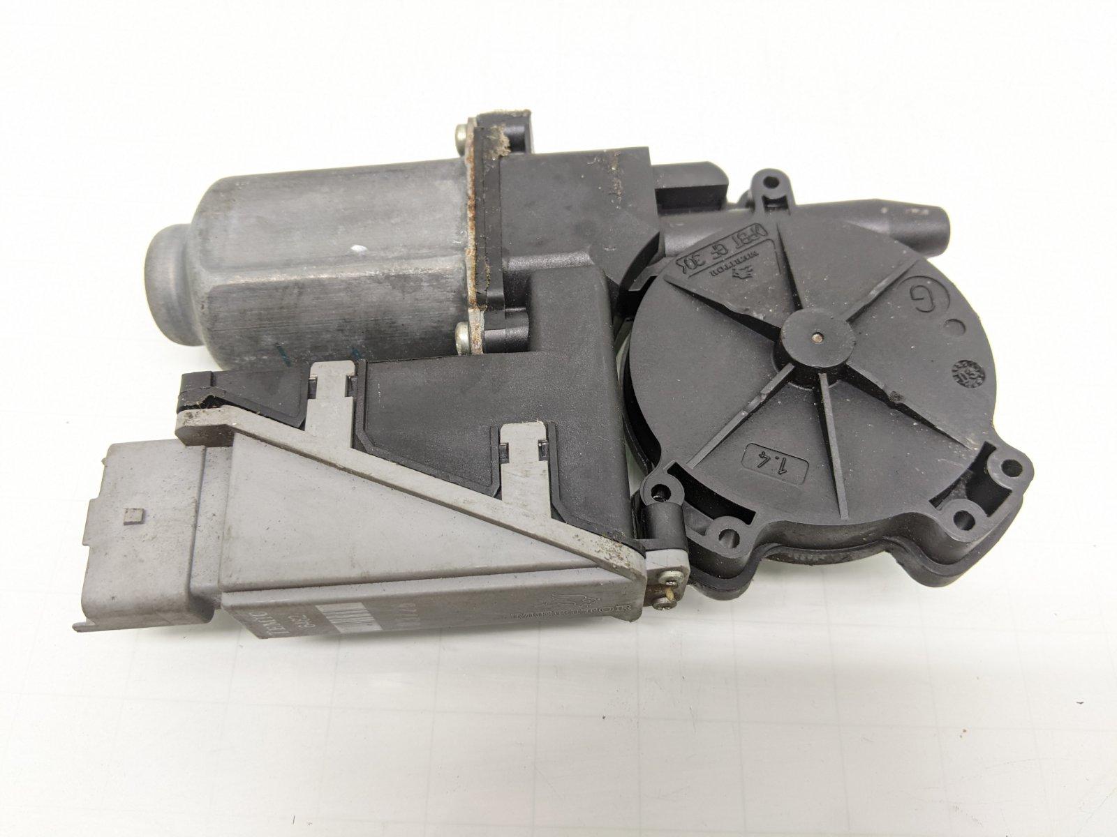 Моторчик стеклоподъемника передний левый Citroen C3 Pluriel 1.6 I 2004 (б/у)