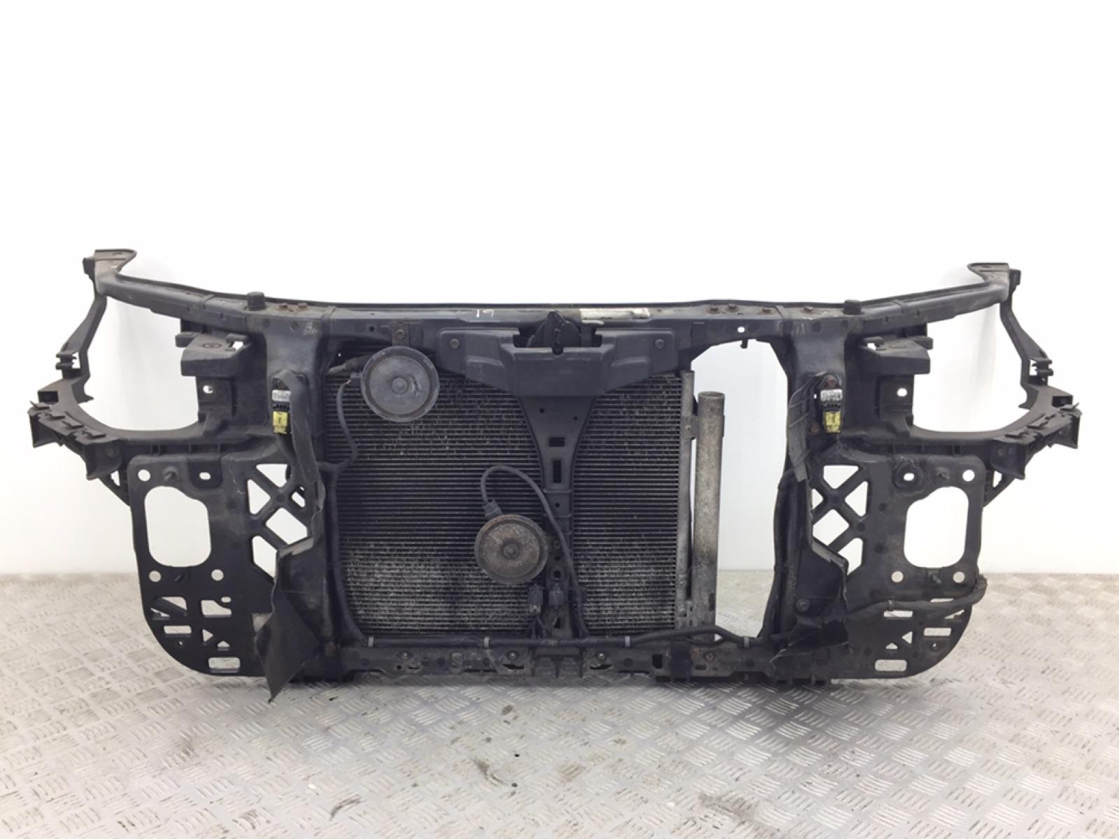 Панель передняя (телевизор) Kia Ceed 1.6 CRDI 2009 (б/у)
