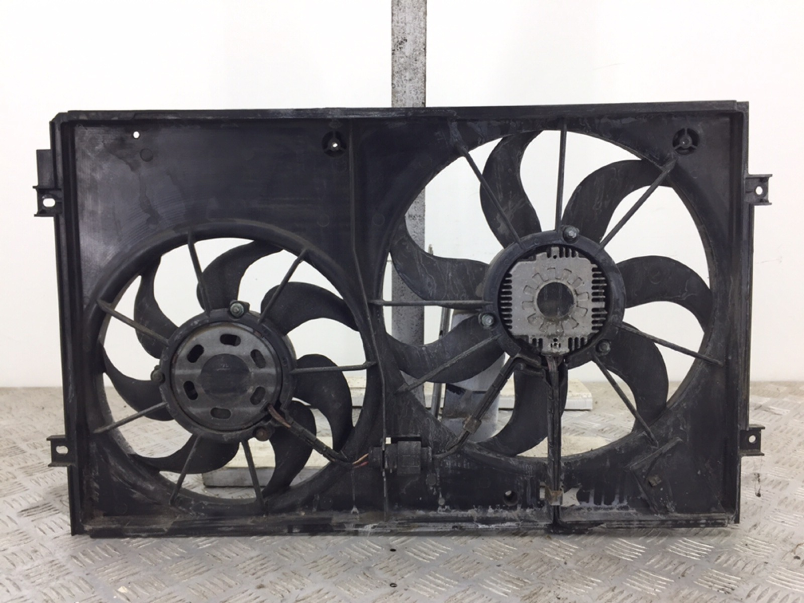 Вентилятор радиатора Seat Toledo 1.6 I 2006 (б/у)