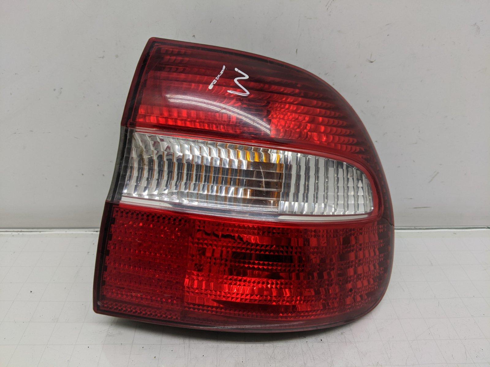 Фонарь задний правый Volvo V40 1.8 I 2003 (б/у)