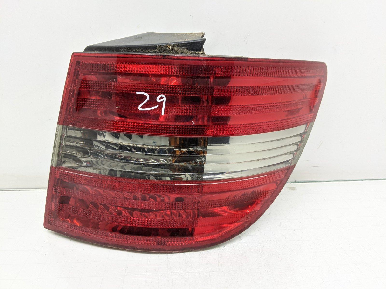 Фонарь задний правый Mercedes B W245 2.0 CDI 2006 (б/у)